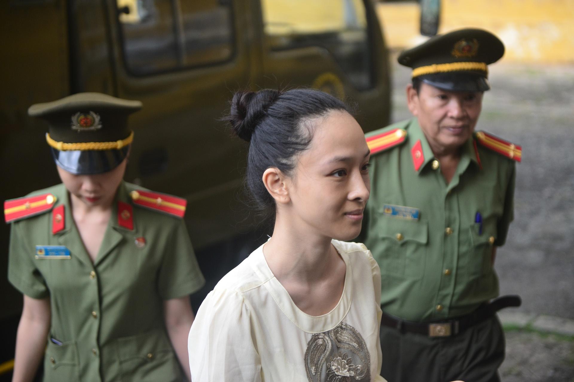 Truong Ho Phuong Nga anh 29