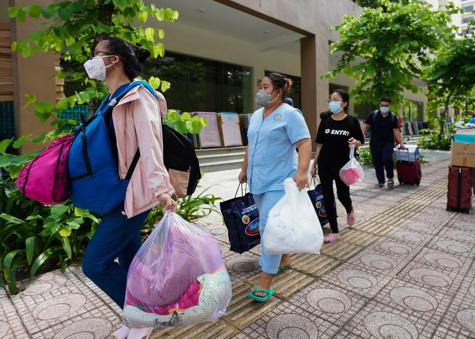 730 người ở Bệnh viện dã chiến số 8 TP.HCM được xuất viện