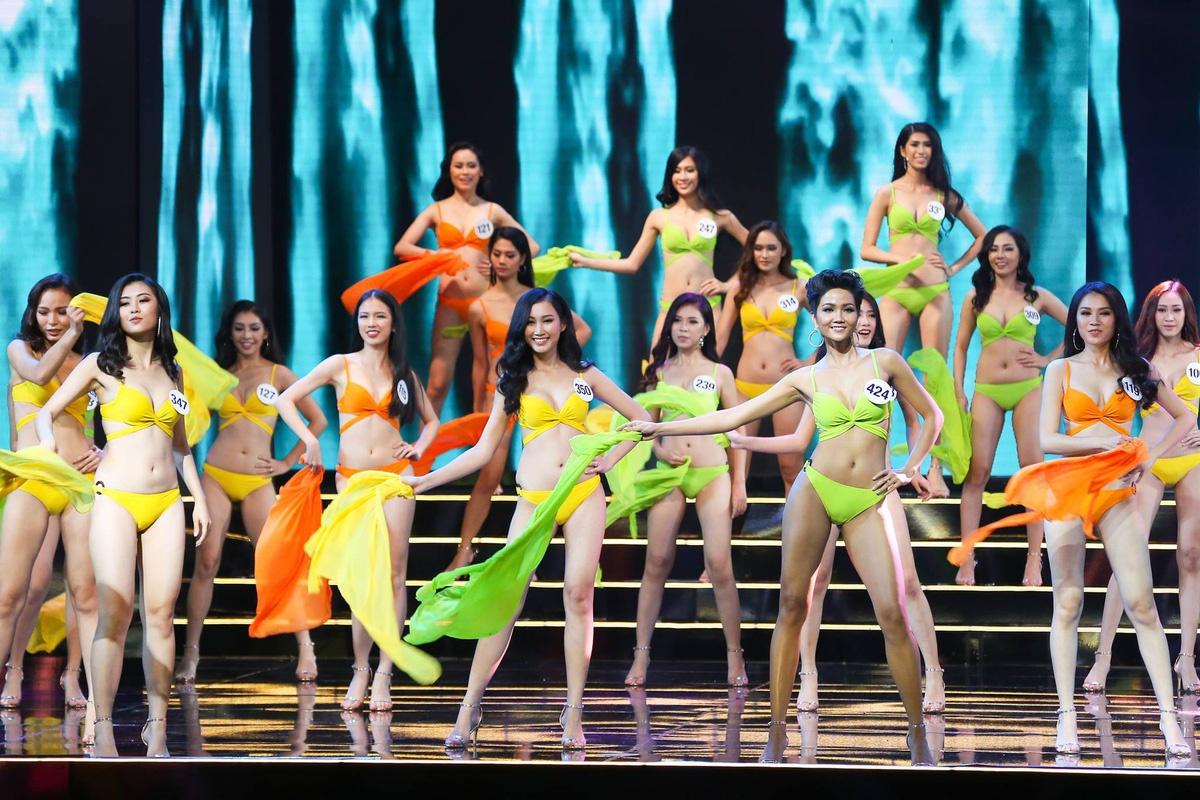 Showbiz Viet 2017: Am i va cai va hinh anh 7