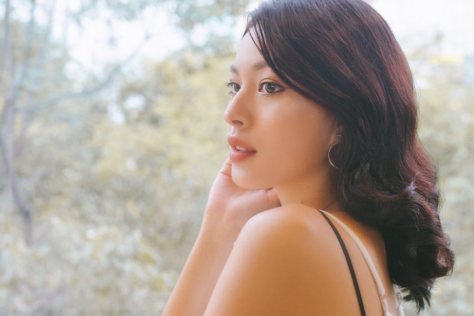 Hot girl Viet nao co thay doi an tuong nhat nam 2017? hinh anh 11