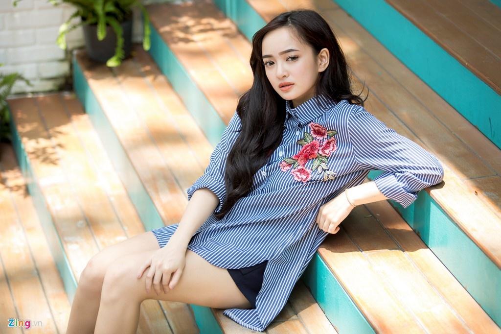 Hot girl Viet nao co thay doi an tuong nhat nam 2017? hinh anh 9