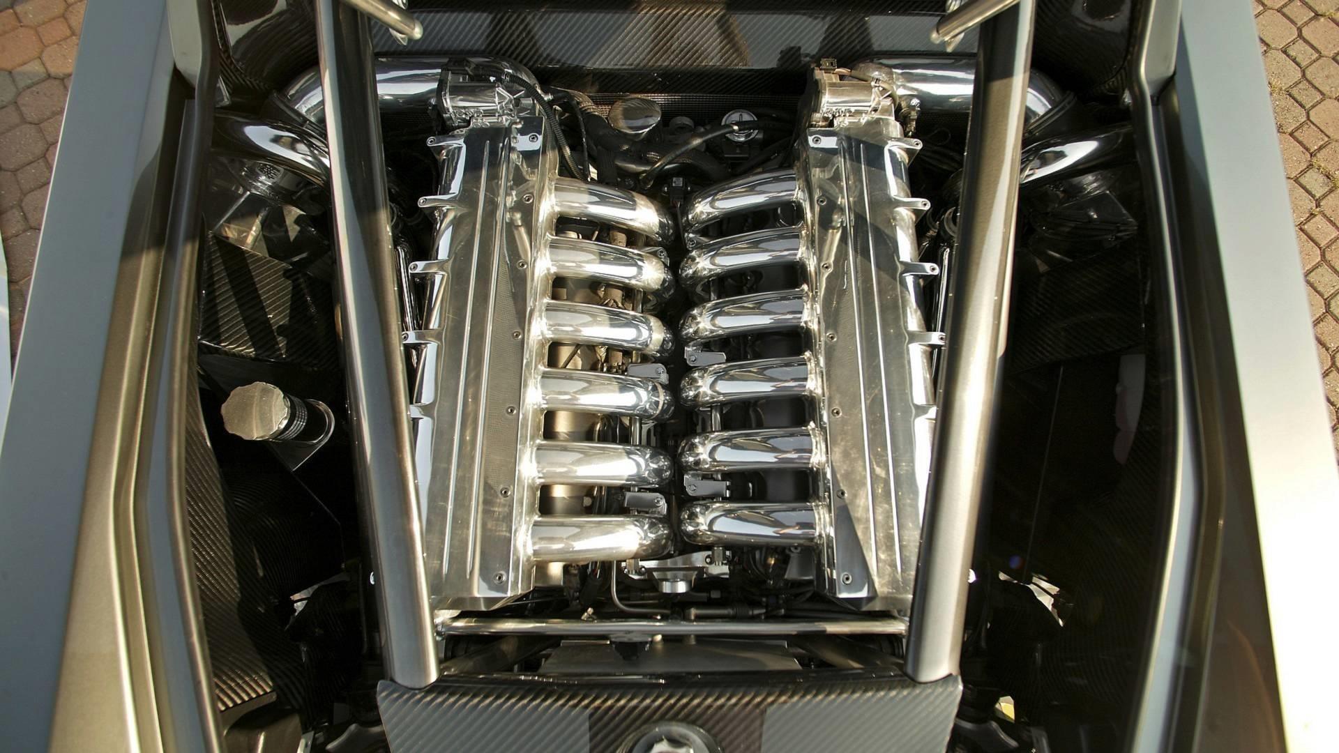ME Four-Twelve sở hữu động cơ V12 6.0L với 4 bộ tăng áp của AMG, cho racông suất 850 mã lực.