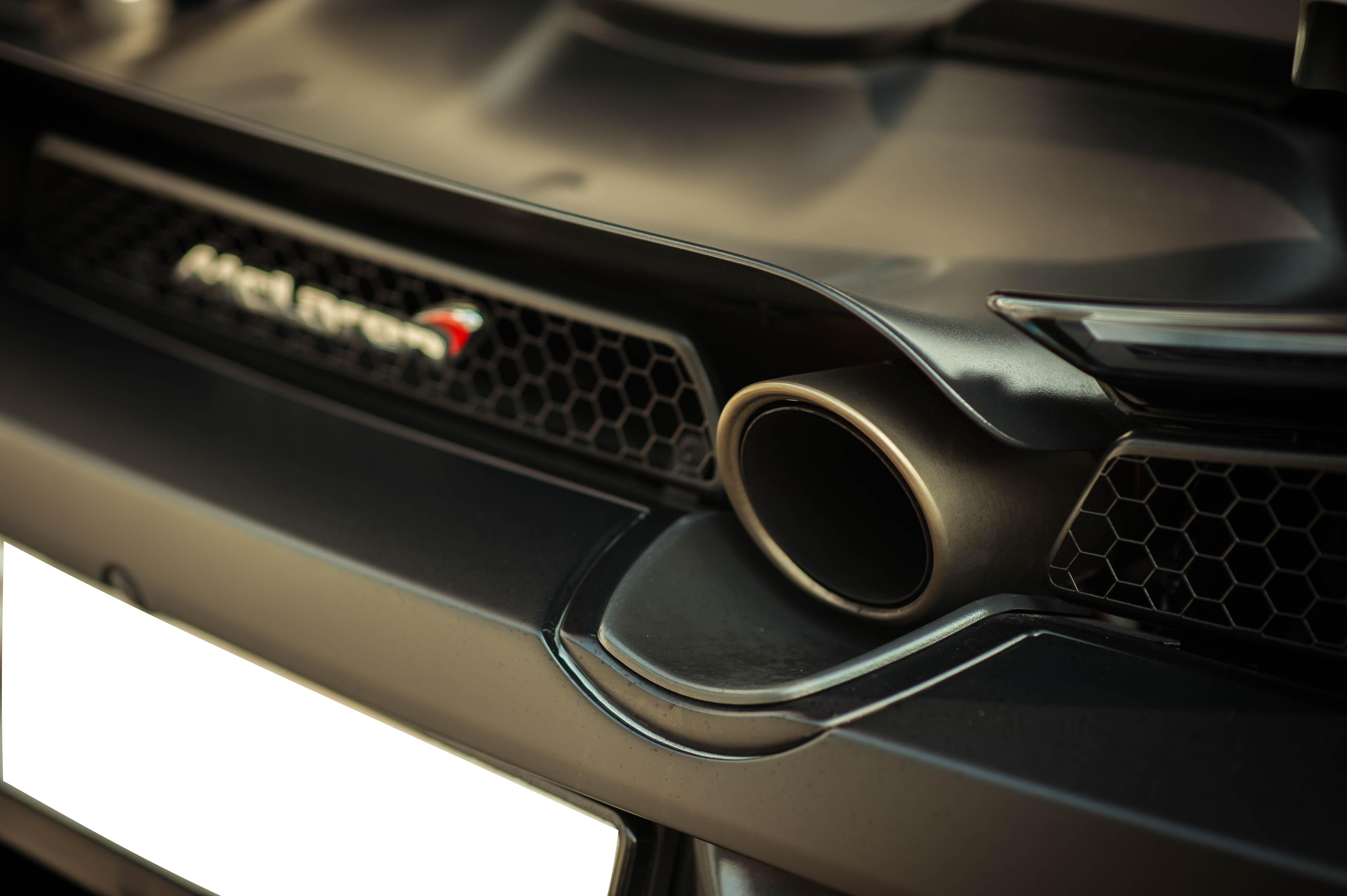 McLaren 720S dau tien ve VN rao 11 ty, ha nua gia sau 2 nam lan banh hinh anh 15