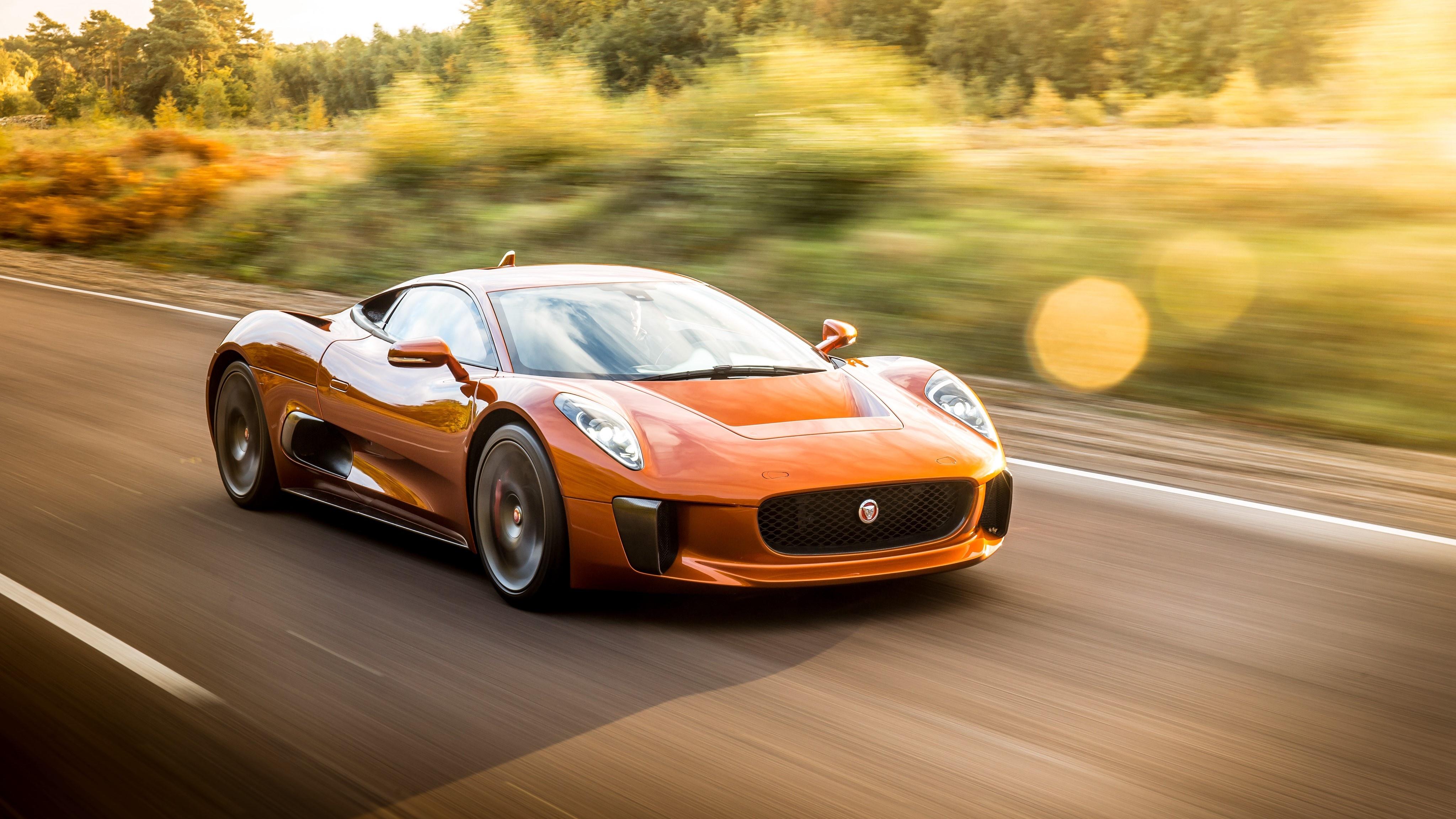 Sieu xe Jaguar C-X75 trong phim James Bond gia 1,2 trieu USD hinh anh 17