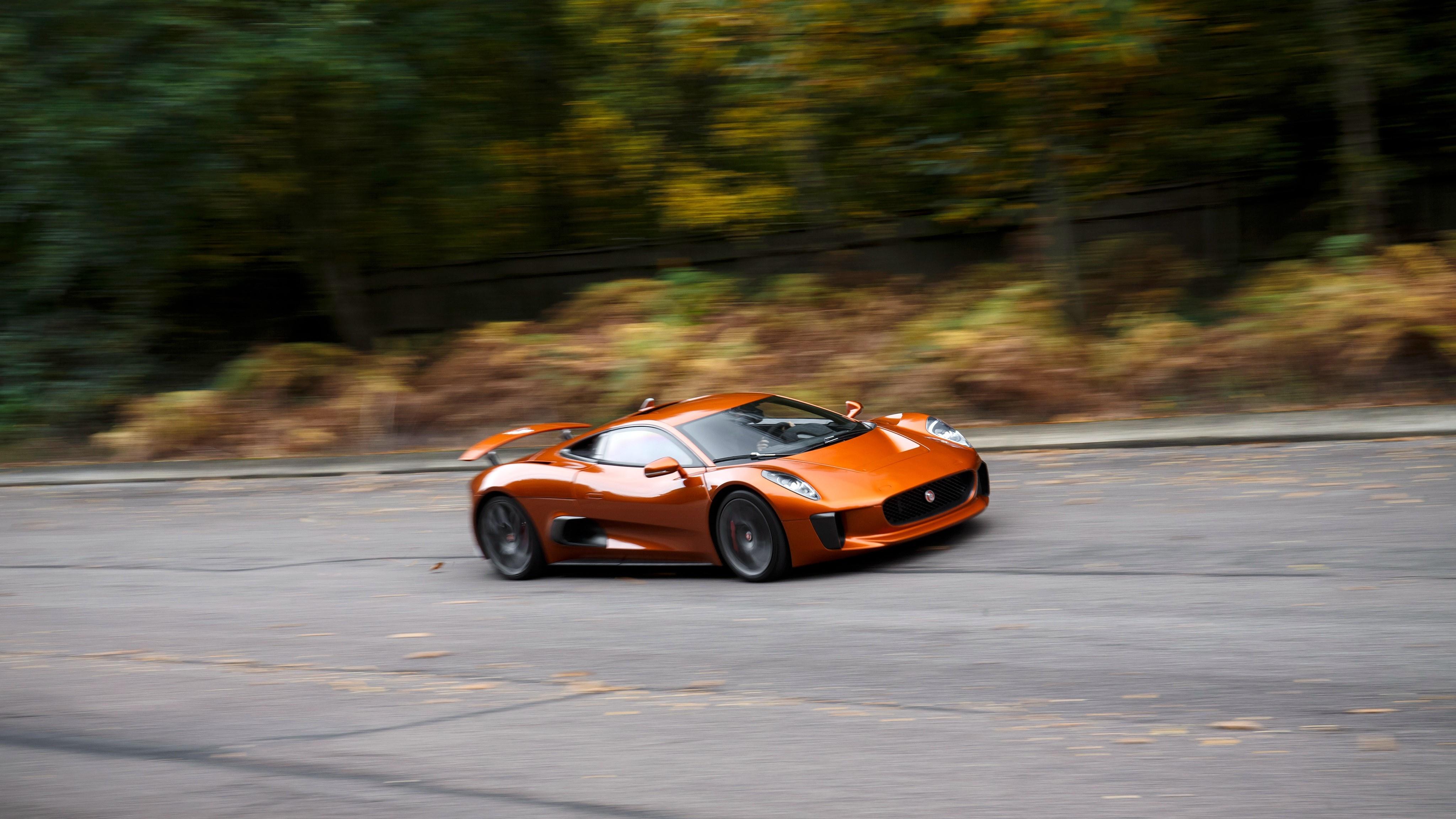 Sieu xe Jaguar C-X75 trong phim James Bond gia 1,2 trieu USD hinh anh 25