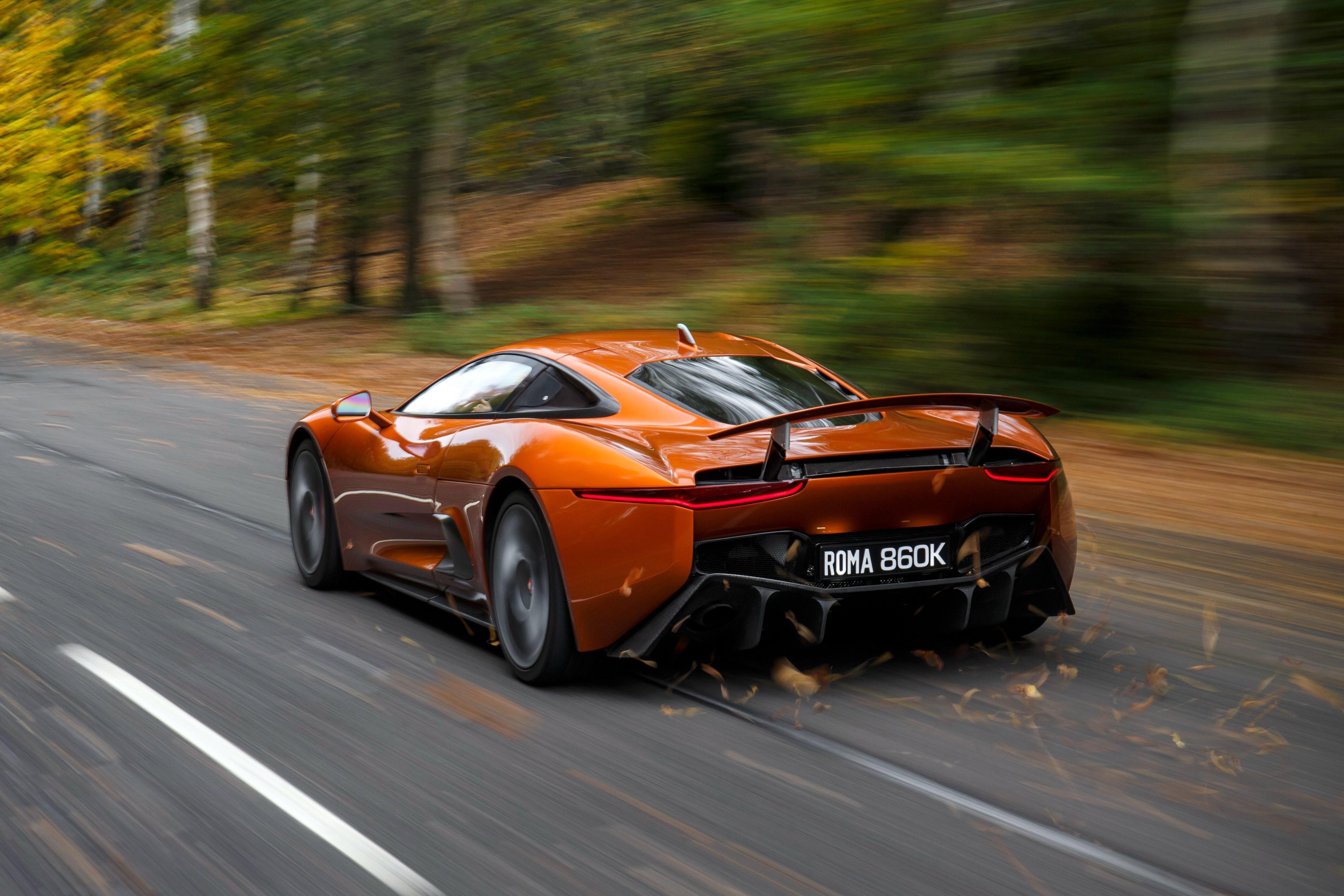 Sieu xe Jaguar C-X75 trong phim James Bond gia 1,2 trieu USD hinh anh 14