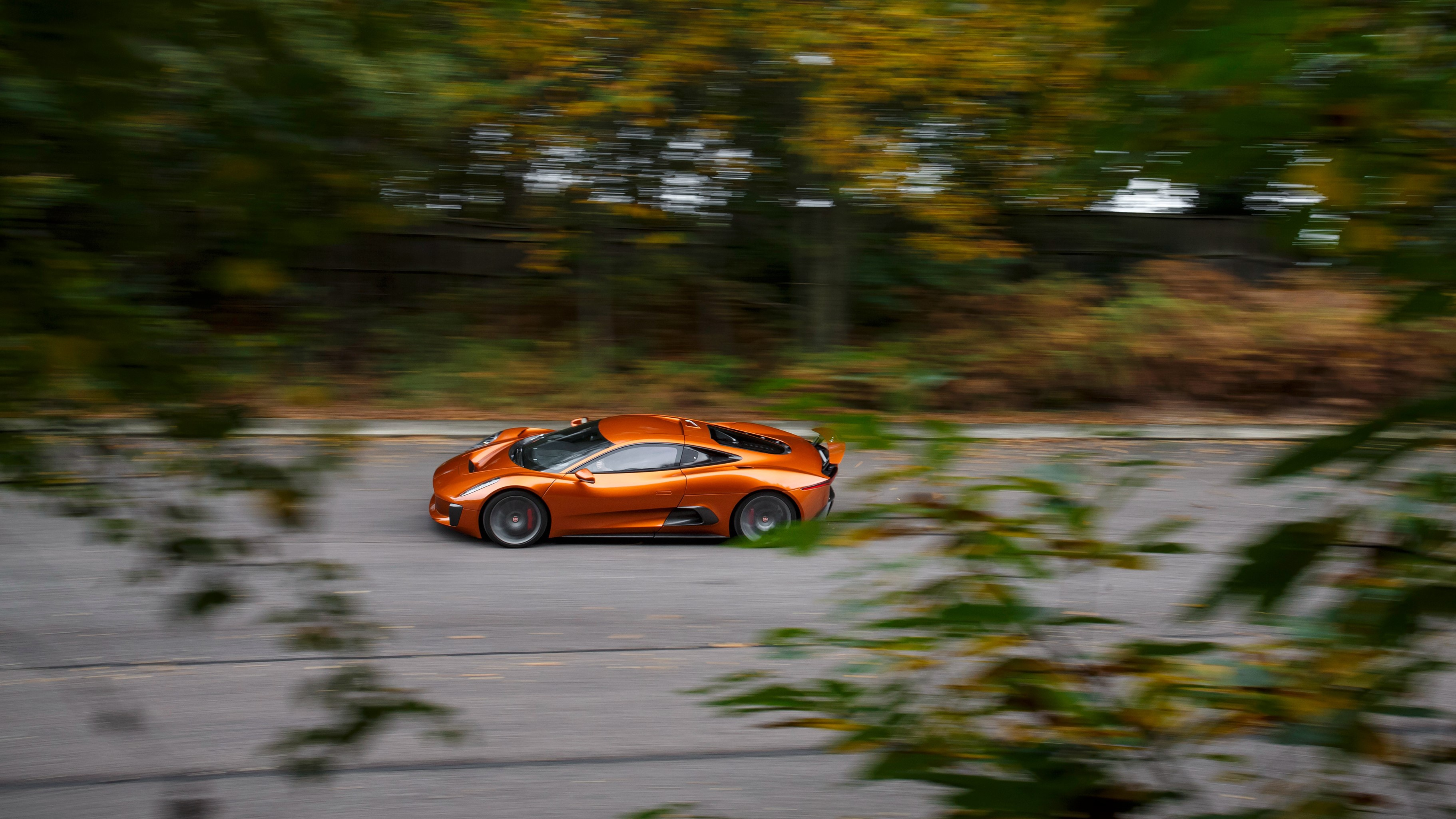 Sieu xe Jaguar C-X75 trong phim James Bond gia 1,2 trieu USD hinh anh 15