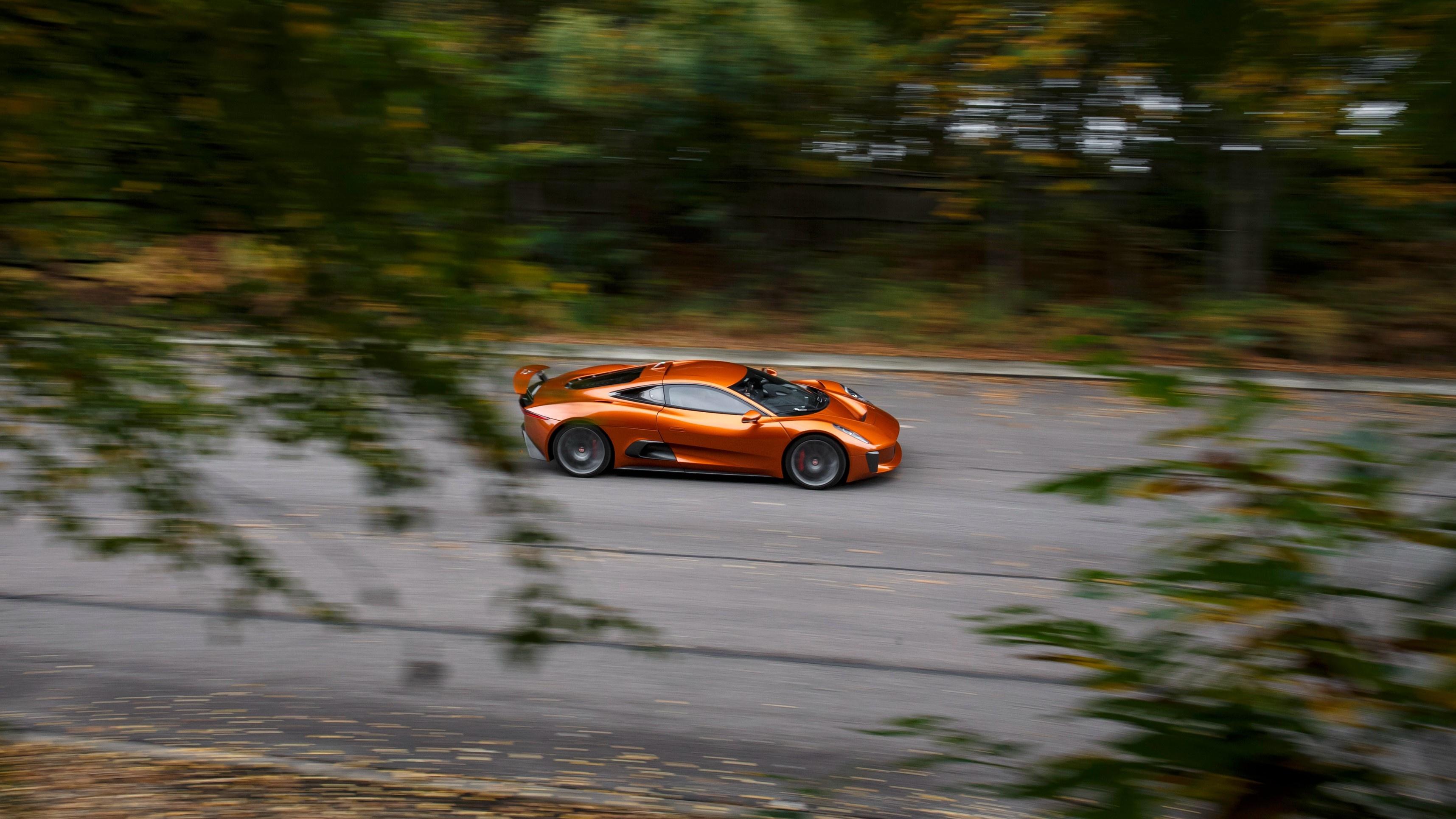 Sieu xe Jaguar C-X75 trong phim James Bond gia 1,2 trieu USD hinh anh 20