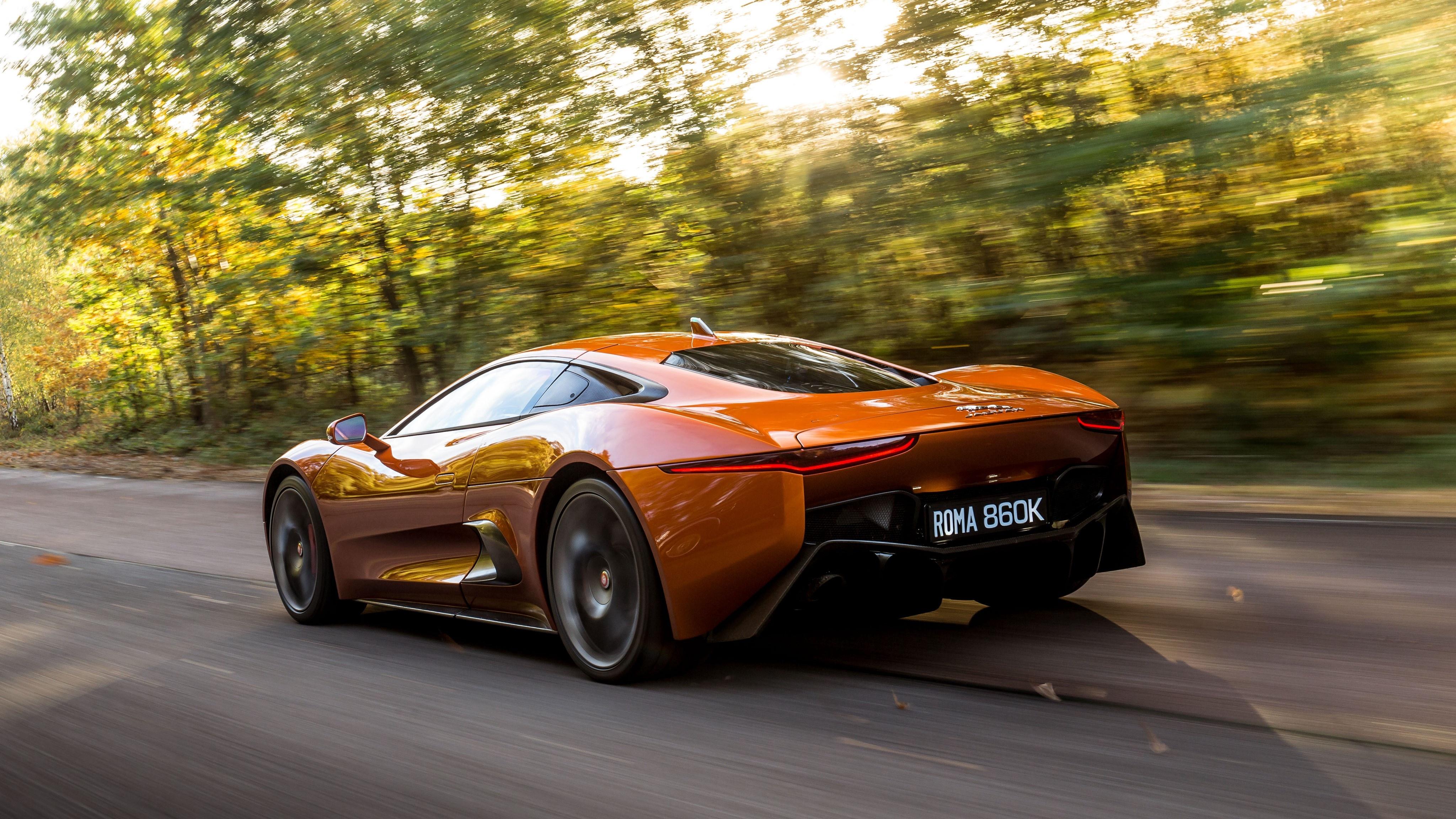Sieu xe Jaguar C-X75 trong phim James Bond gia 1,2 trieu USD hinh anh 21