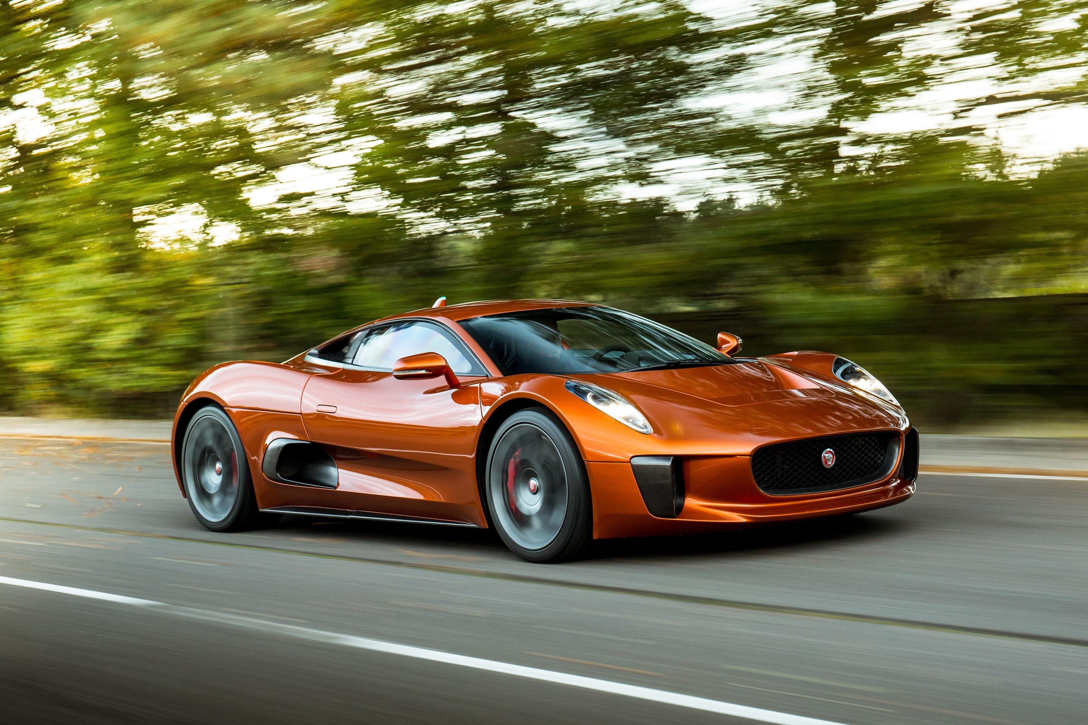 Sieu xe Jaguar C-X75 trong phim James Bond gia 1,2 trieu USD hinh anh 22