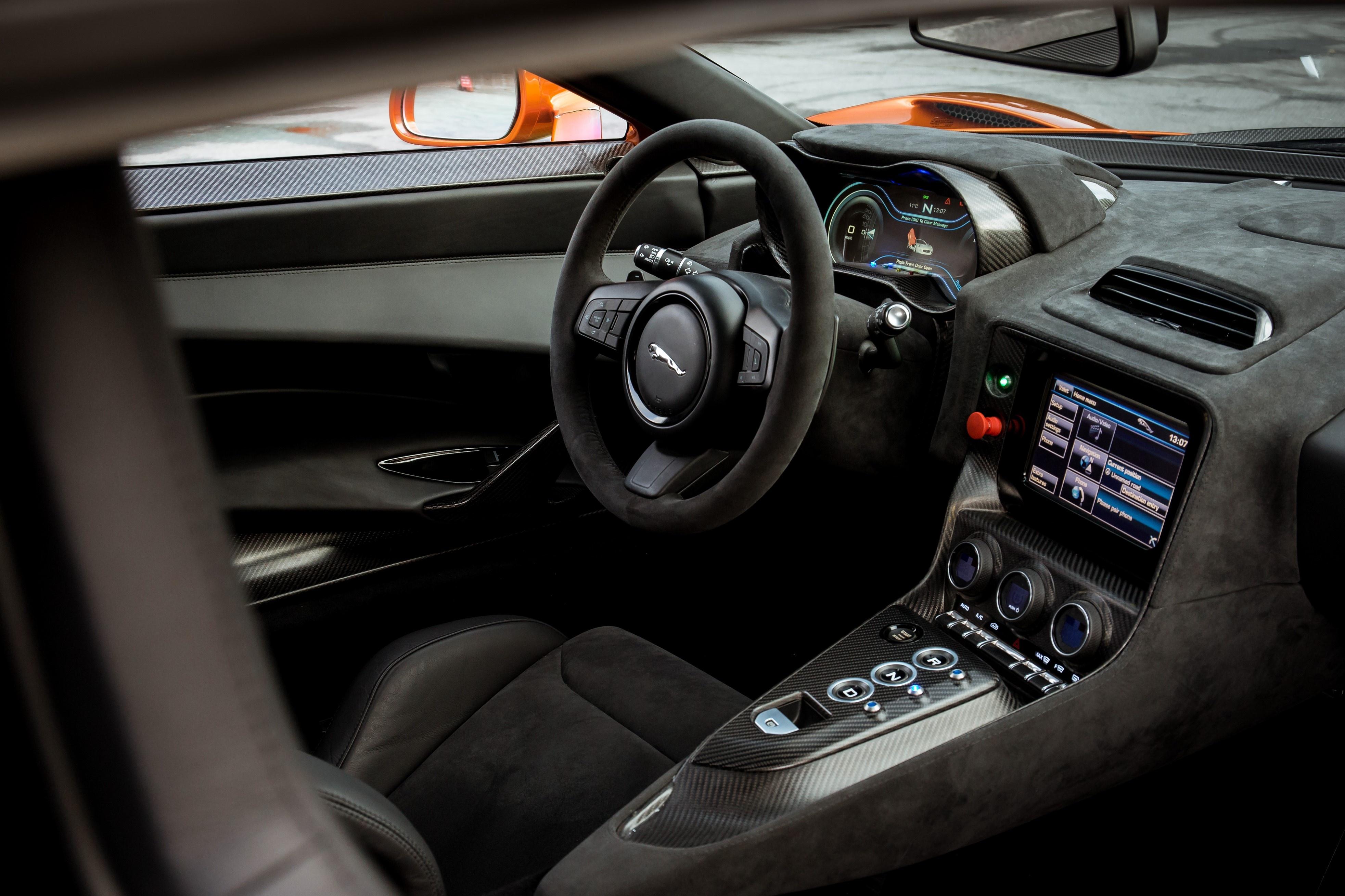 Sieu xe Jaguar C-X75 trong phim James Bond gia 1,2 trieu USD hinh anh 29