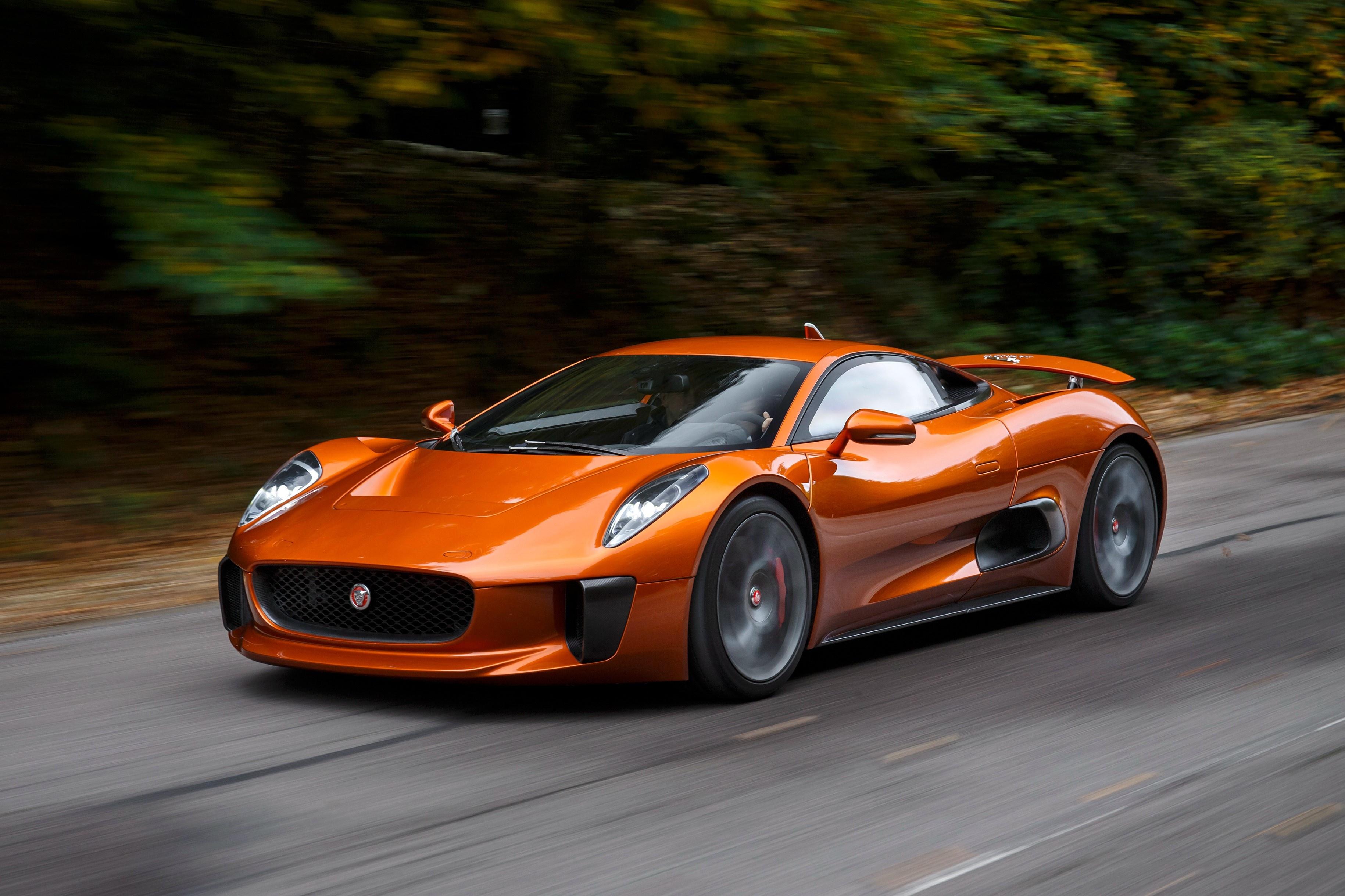 Sieu xe Jaguar C-X75 trong phim James Bond gia 1,2 trieu USD hinh anh 30