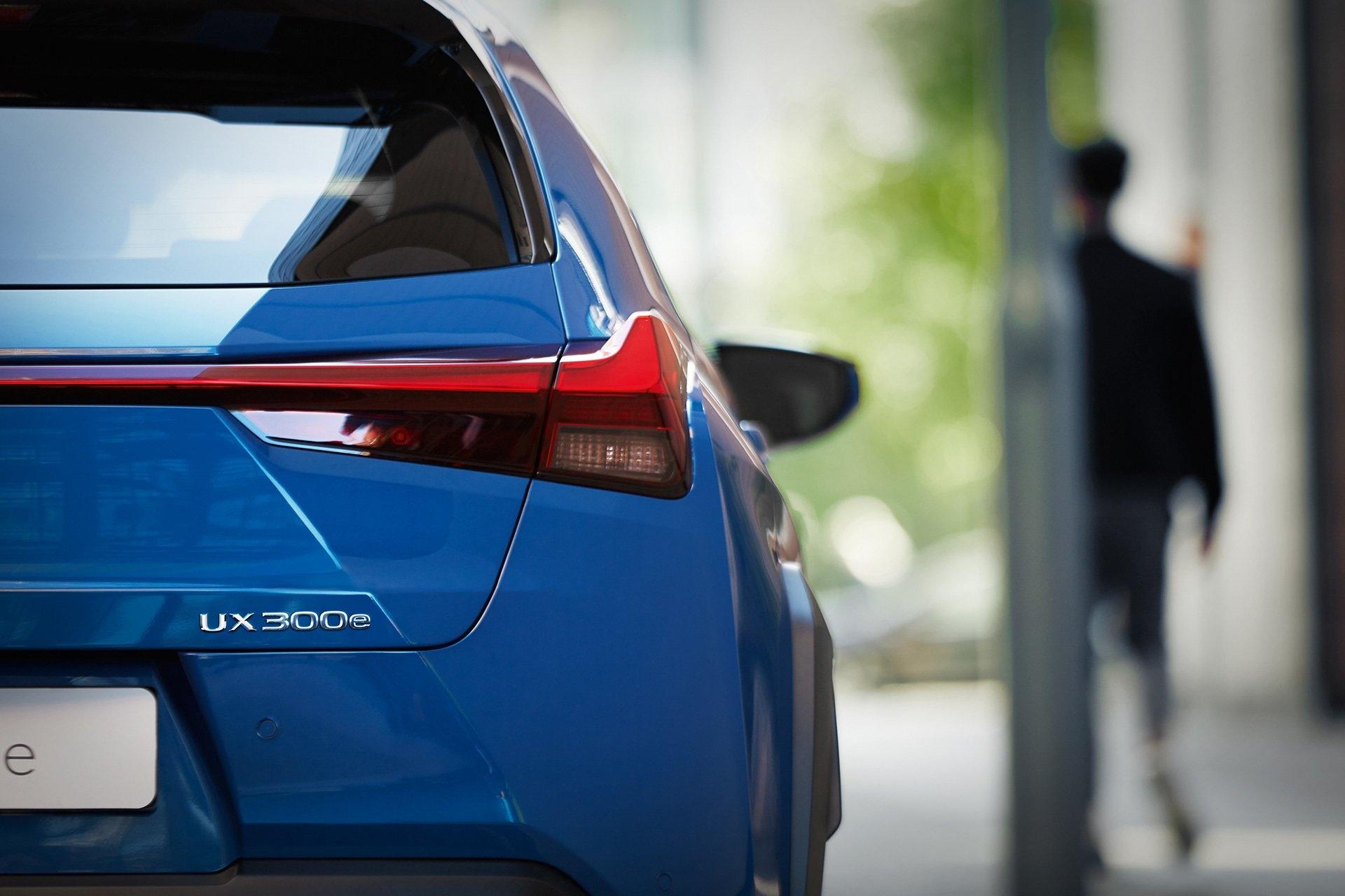 UX 300e - xe dien dau tien cua Lexus ra mat the gioi hinh anh 14