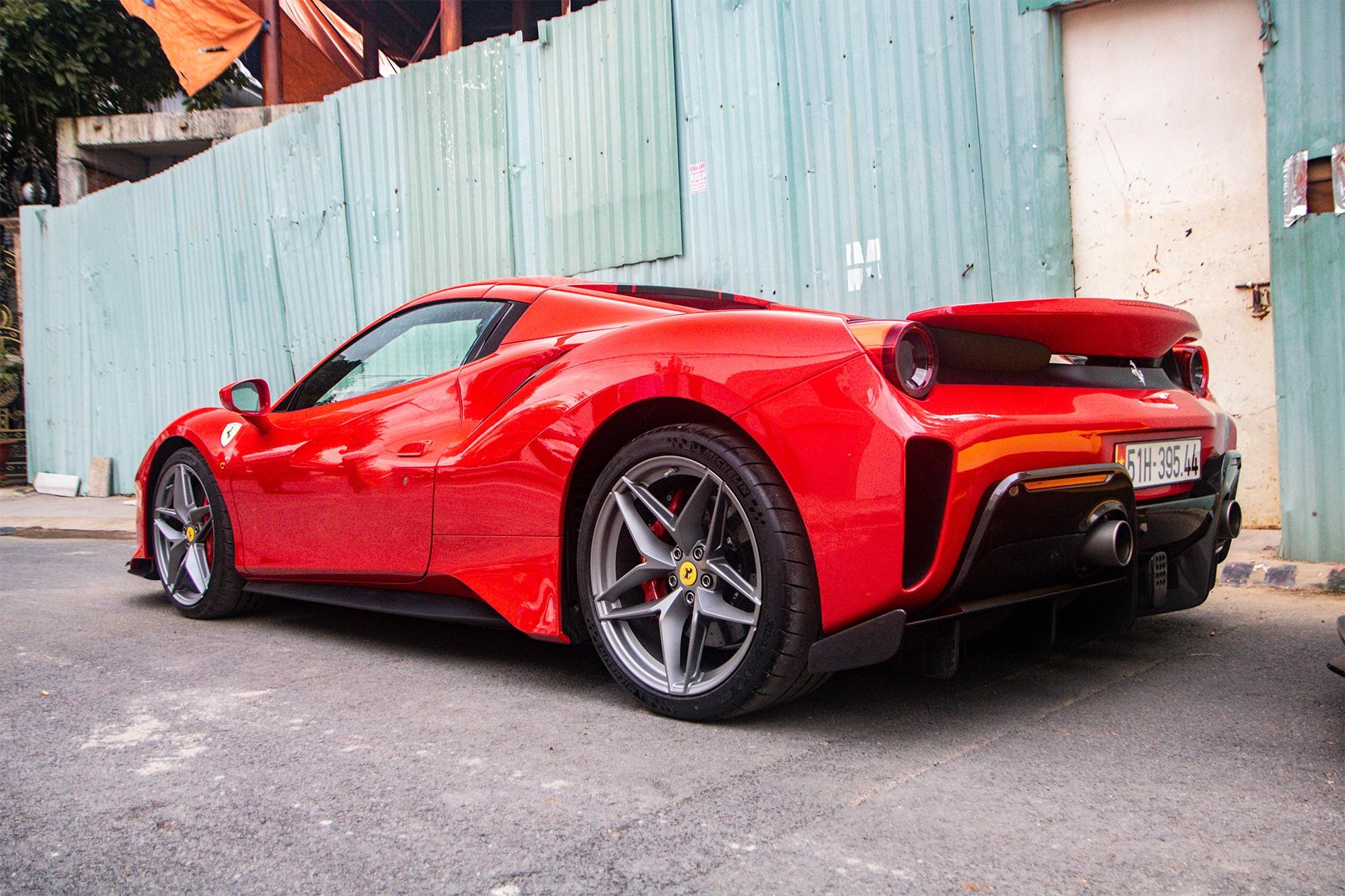 Ferrari 488 Pista Spider dau tien Viet Nam anh 2
