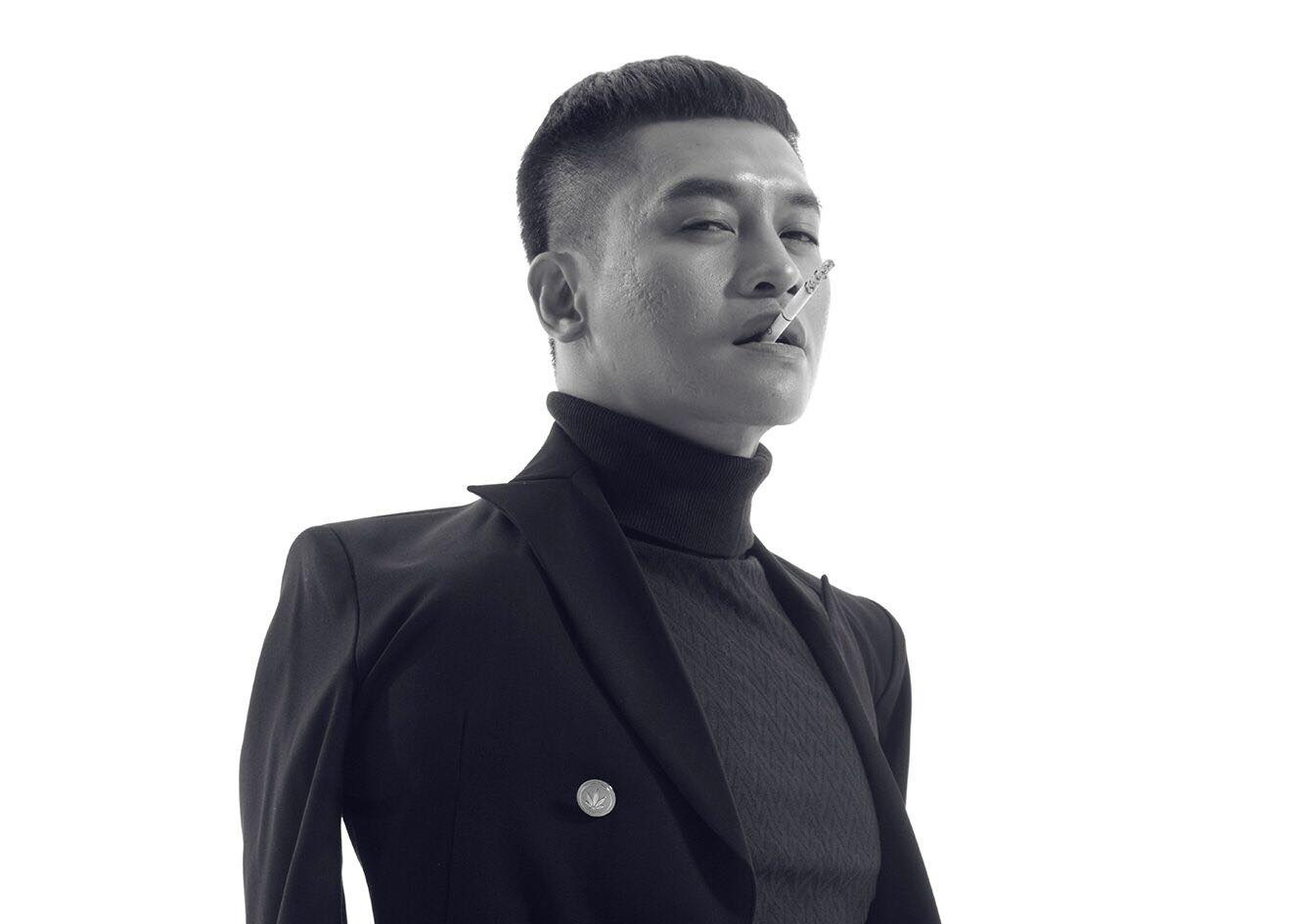 Minh Hang va HLV The Face la nhan vat quyen luc nhat Internet tuan qua hinh anh 8