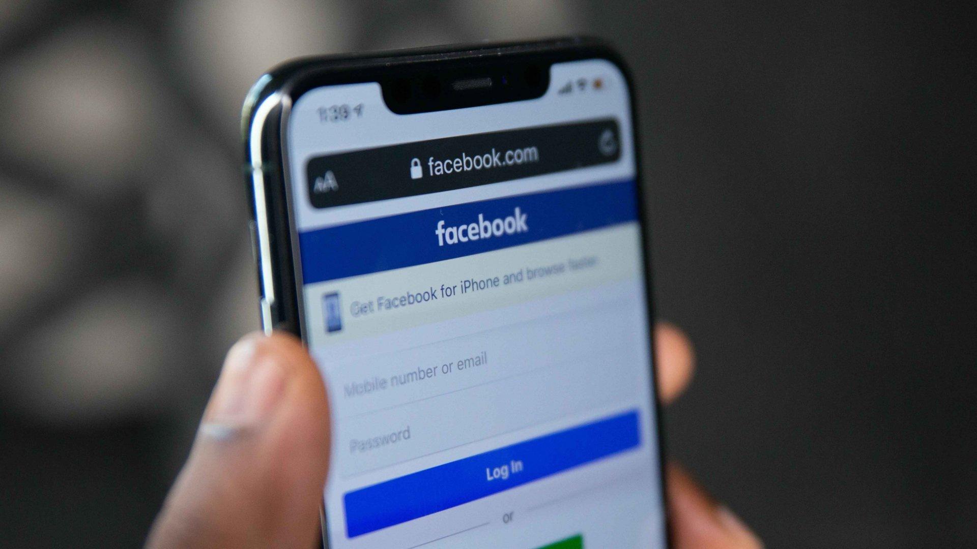 Cuoc chien quang cao Apple-Facebook anh 3