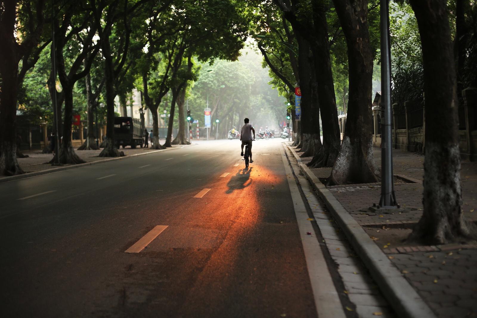 Nhung khoanh khac mua thu Ha Noi lay dong long nguoi hinh anh 4