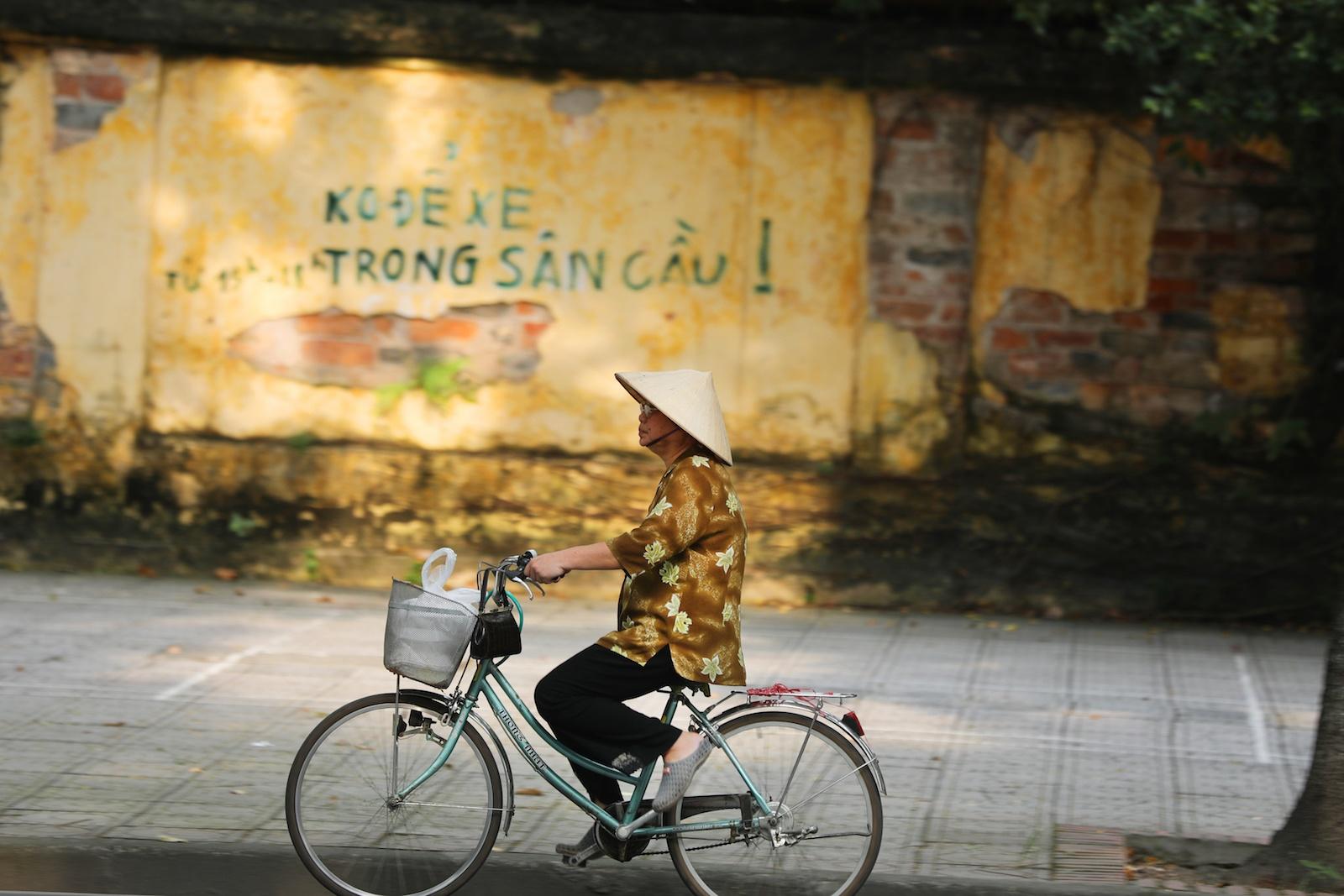 Nhung khoanh khac mua thu Ha Noi lay dong long nguoi hinh anh 2
