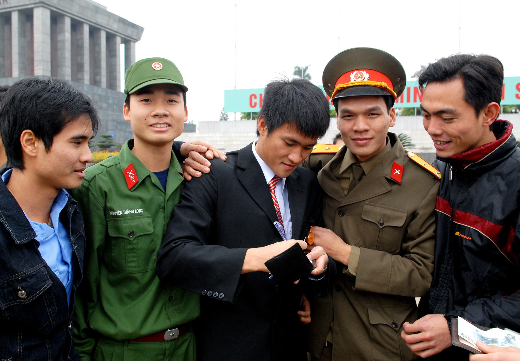 Nhin lai khoanh khac doi tuyen Viet Nam len dinh Dong Nam A nam 2008 hinh anh 36
