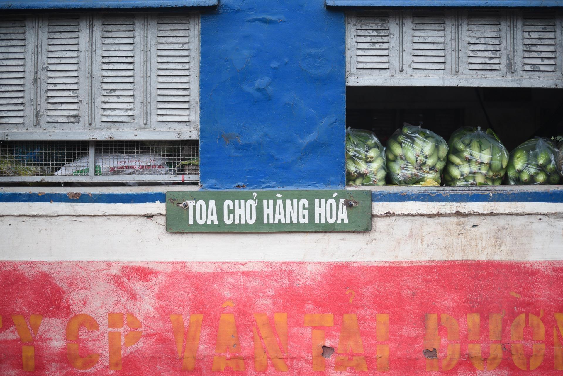 chuyen tau vang khach nhat ca nuoc Ha Noi Quang Ninh anh 10