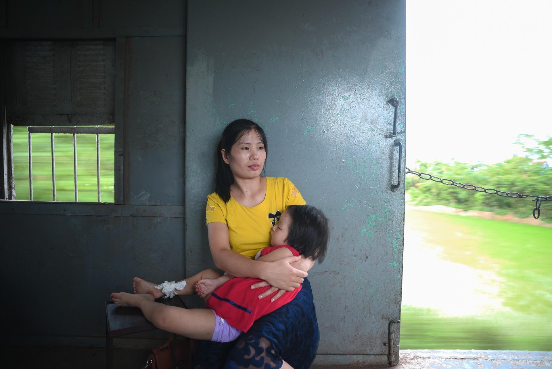 chuyen tau vang khach nhat ca nuoc Ha Noi Quang Ninh anh 14