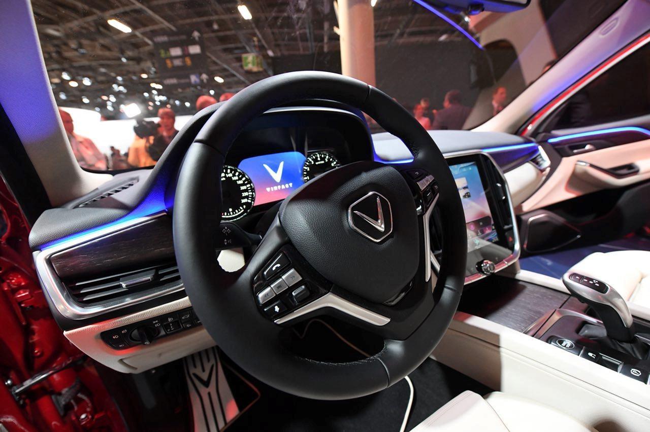 Mot nam ky tich cua VinFast tu Paris Motor Show 2018 den VMS 2019 hinh anh 4