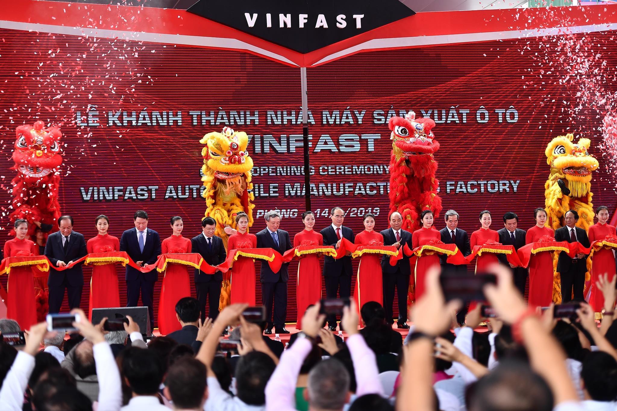 Mot nam ky tich cua VinFast tu Paris Motor Show 2018 den VMS 2019 hinh anh 10