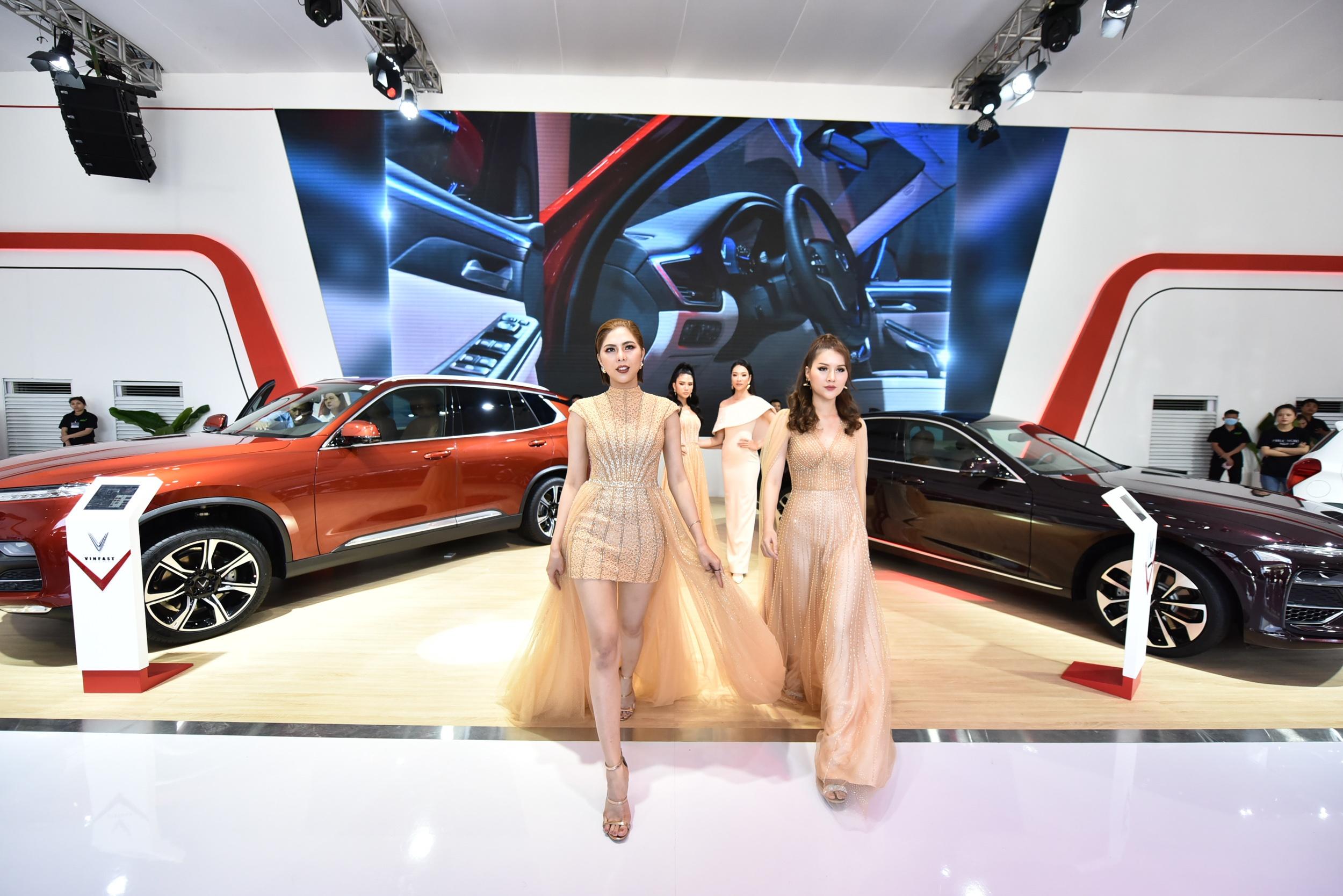 Mot nam ky tich cua VinFast tu Paris Motor Show 2018 den VMS 2019 hinh anh 49