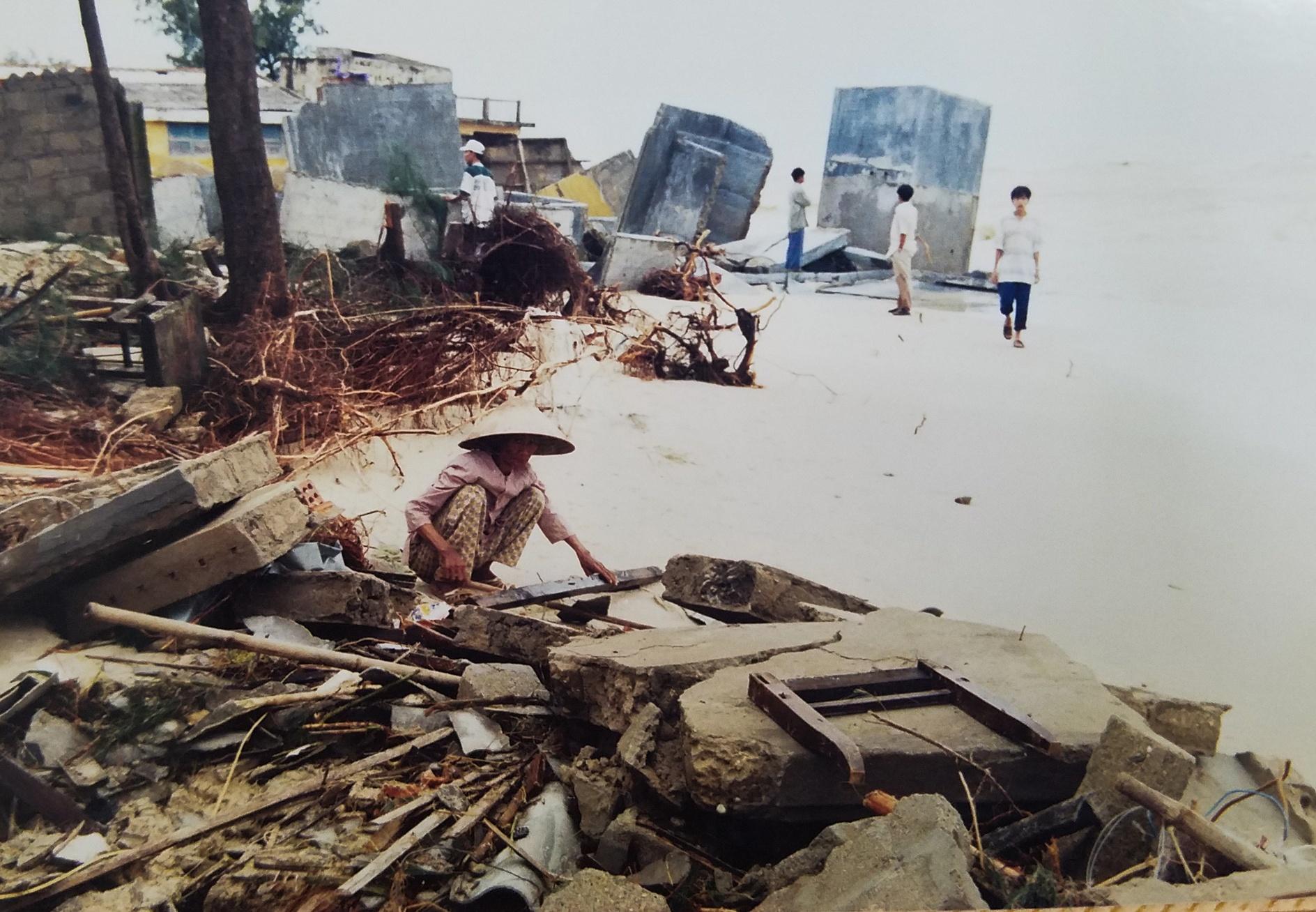 Ky uc tran dai hong thuy nam 1999 o Thua Thien - Hue hinh anh 15