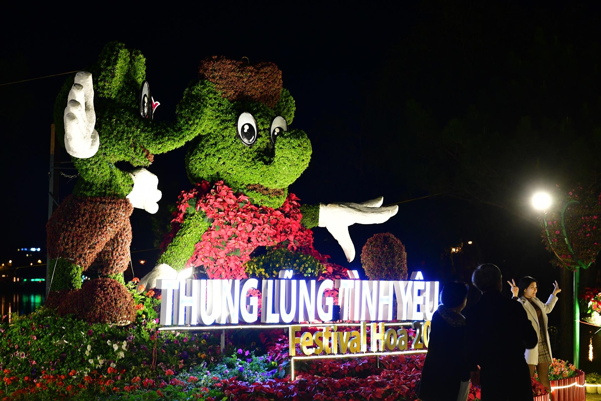 Da Lat ruc ro trong dem khai mac Festival hoa hinh anh 29 hoa_da_lat_zing1.JPG