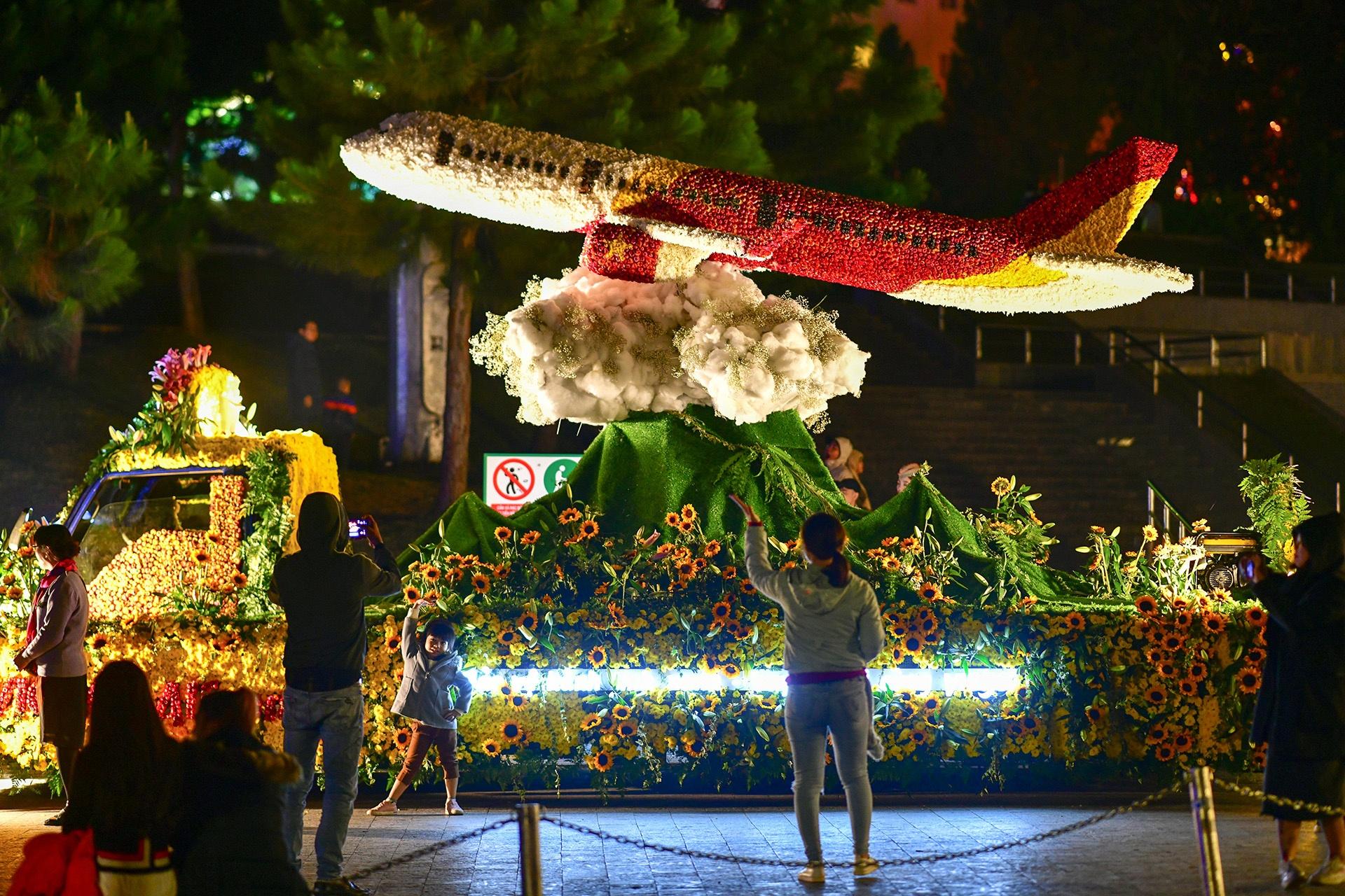 Da Lat ruc ro trong dem khai mac Festival hoa hinh anh 35 hoa_da_lat_zing11.JPG