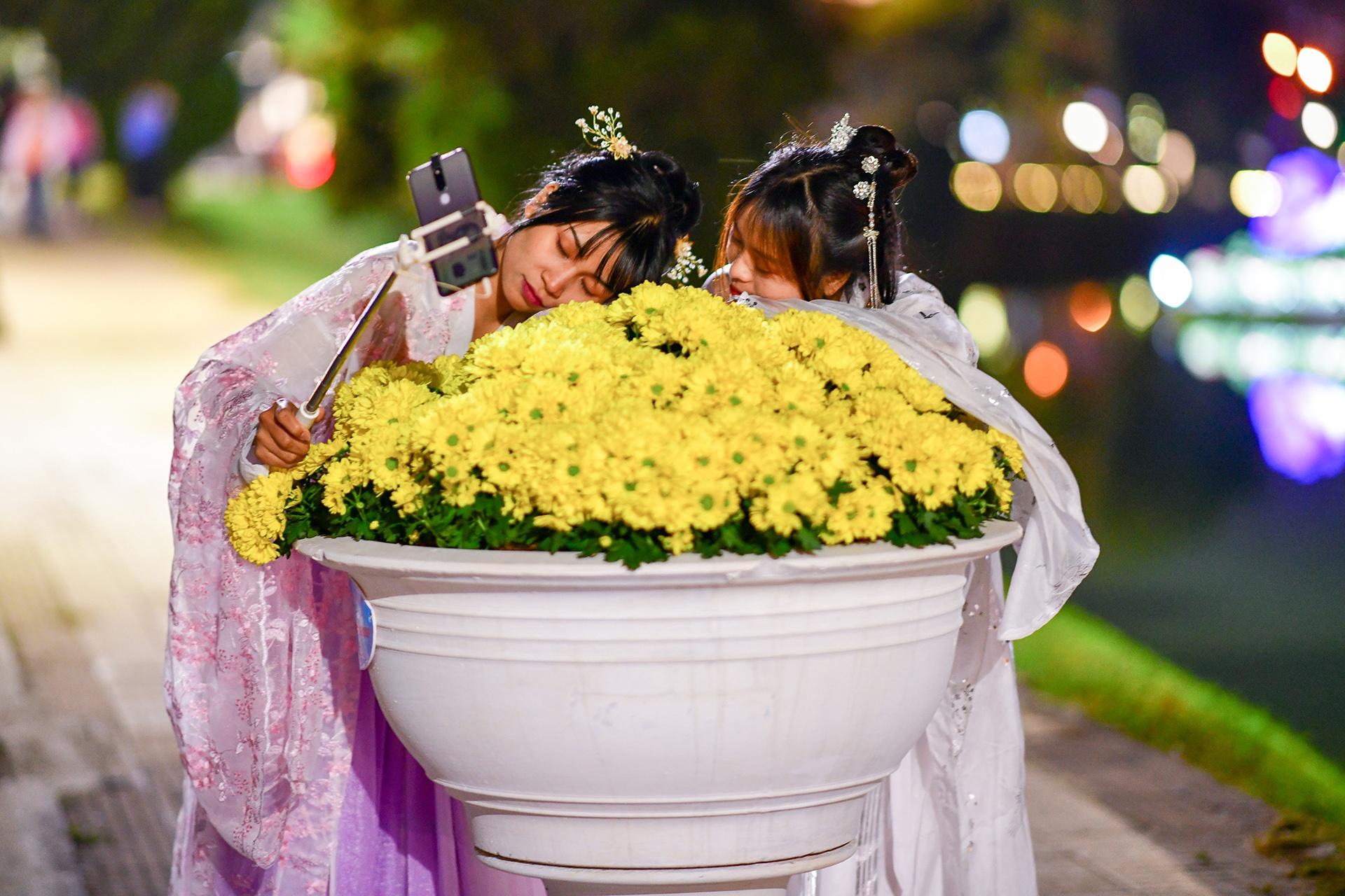 Da Lat ruc ro trong dem khai mac Festival hoa hinh anh 42 hoa_da_lat_zing18.JPG