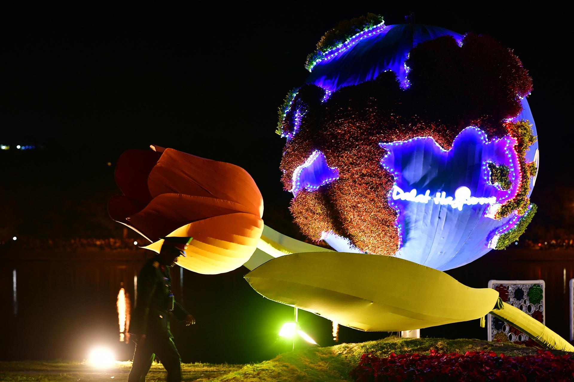 Da Lat ruc ro trong dem khai mac Festival hoa hinh anh 25 hoa_da_lat_zing2.JPG