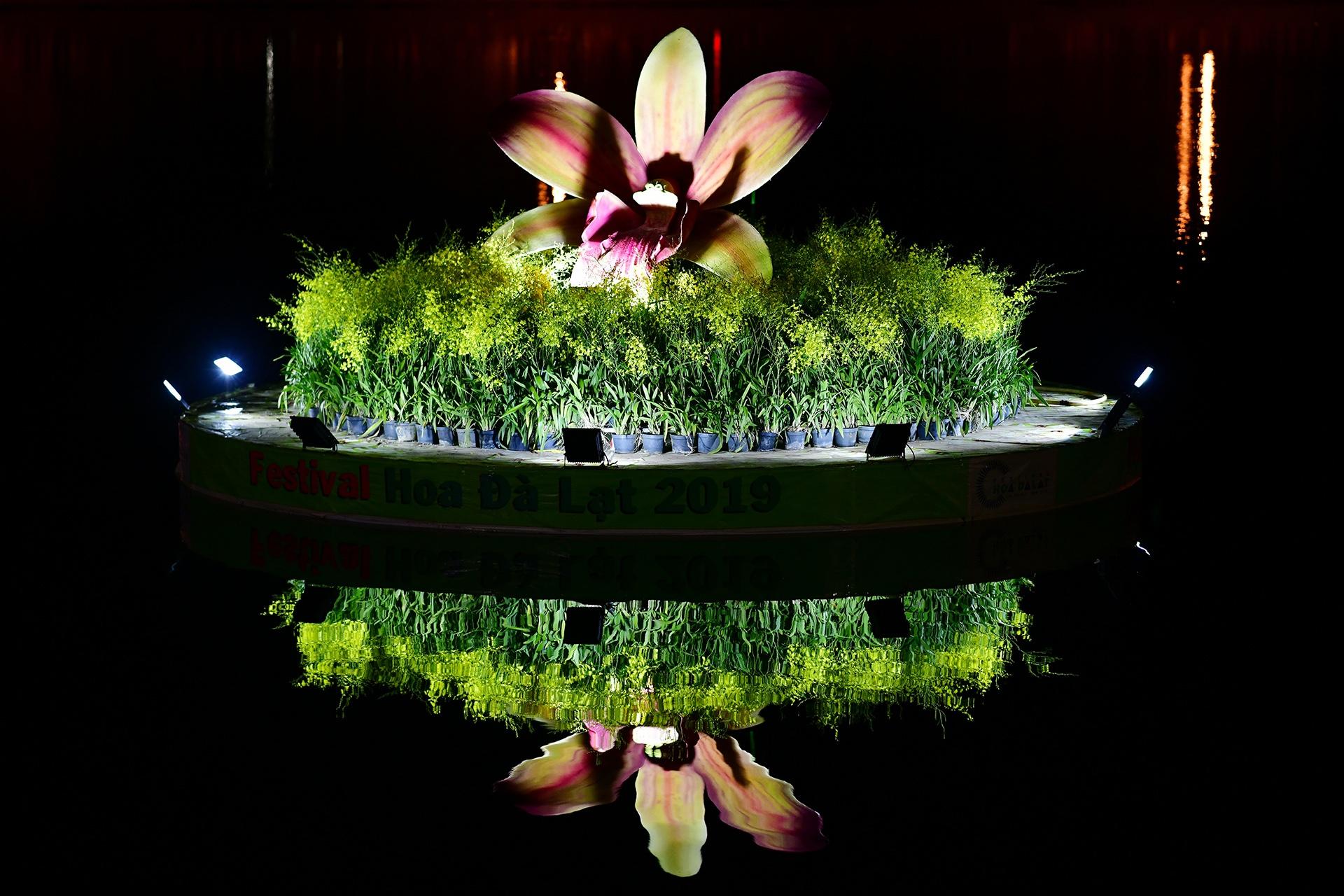 Da Lat ruc ro trong dem khai mac Festival hoa hinh anh 32 hoa_da_lat_zing7.JPG