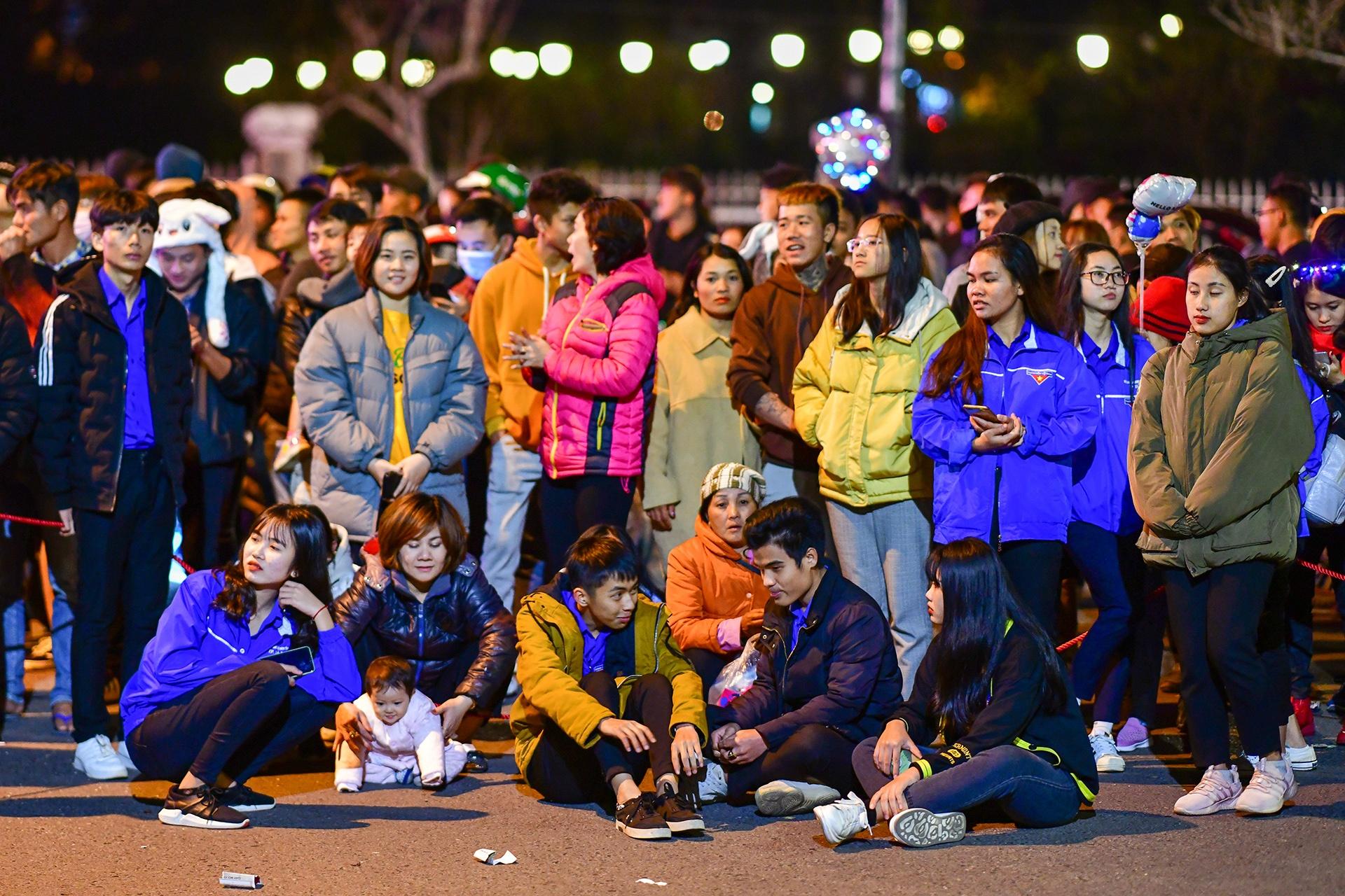Da Lat ruc ro trong dem khai mac Festival hoa hinh anh 8 nguoi_dan_zing2.JPG