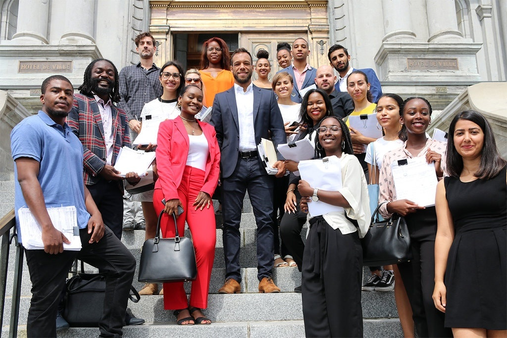 Barack Obama,  Balarama Holness,  Quebec,  Montreal,  phan biet chung toc,  Black Lives Matter,  bong bau duc,  quy goi,  Colin Kaepernick anh 3