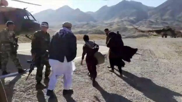 bi mat cau chuyen thieu nu ban guc taliban anh 4