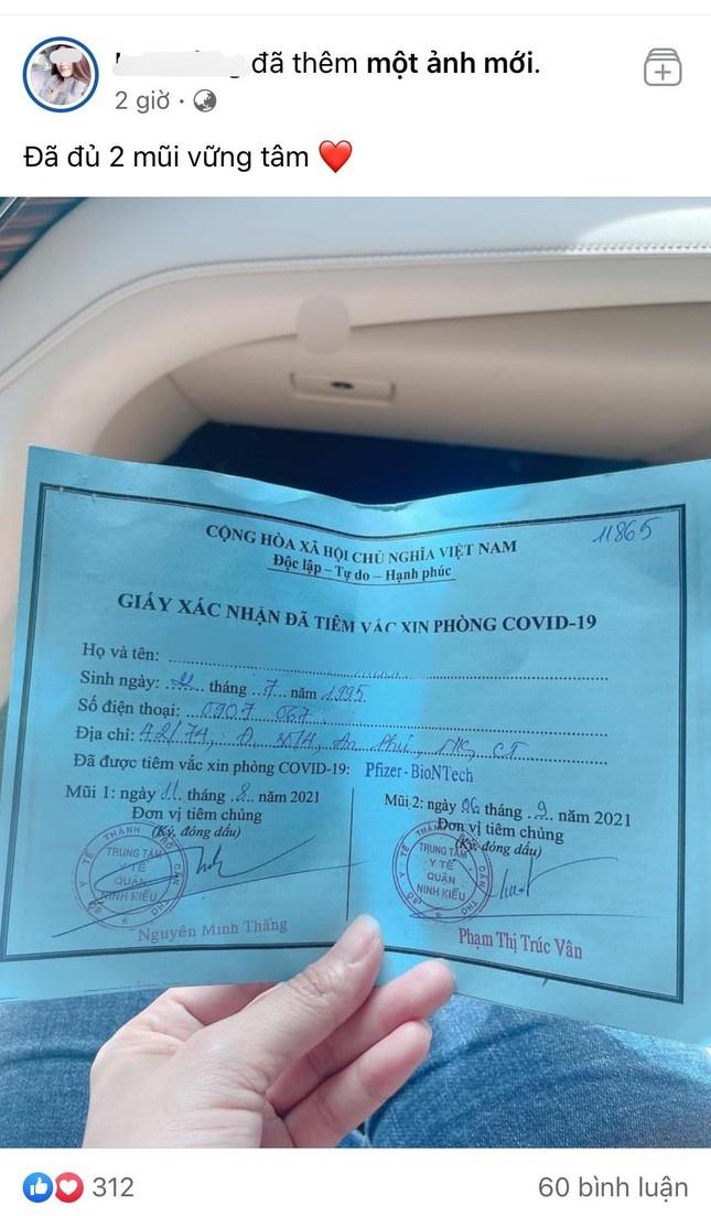 Cô gái Cần Thơ khoe tiêm 2 mũi vaccine Pfizer nhờ 'xin ông anh'