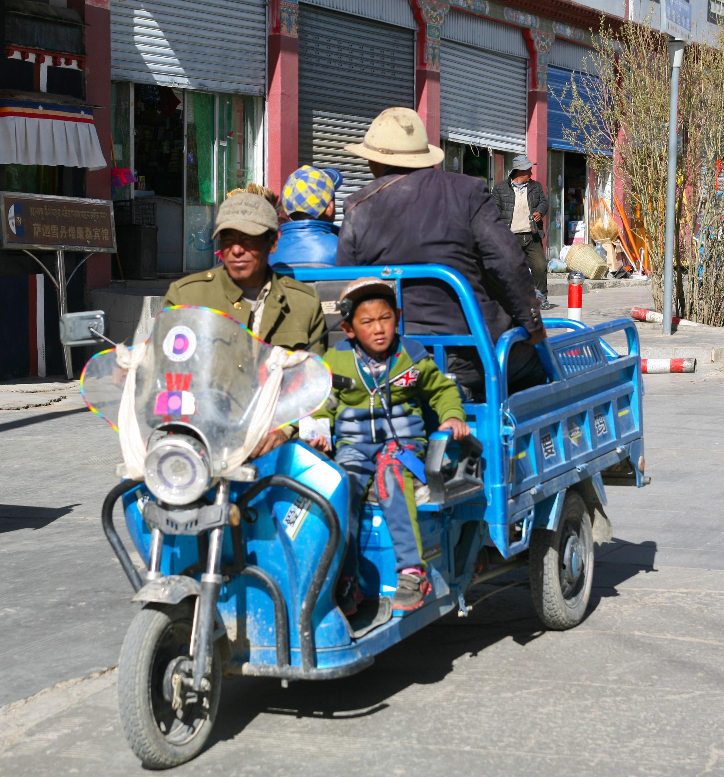 Hon 2.000 km va 14 ngay bang qua thao nguyen Tay Tang hinh anh 79