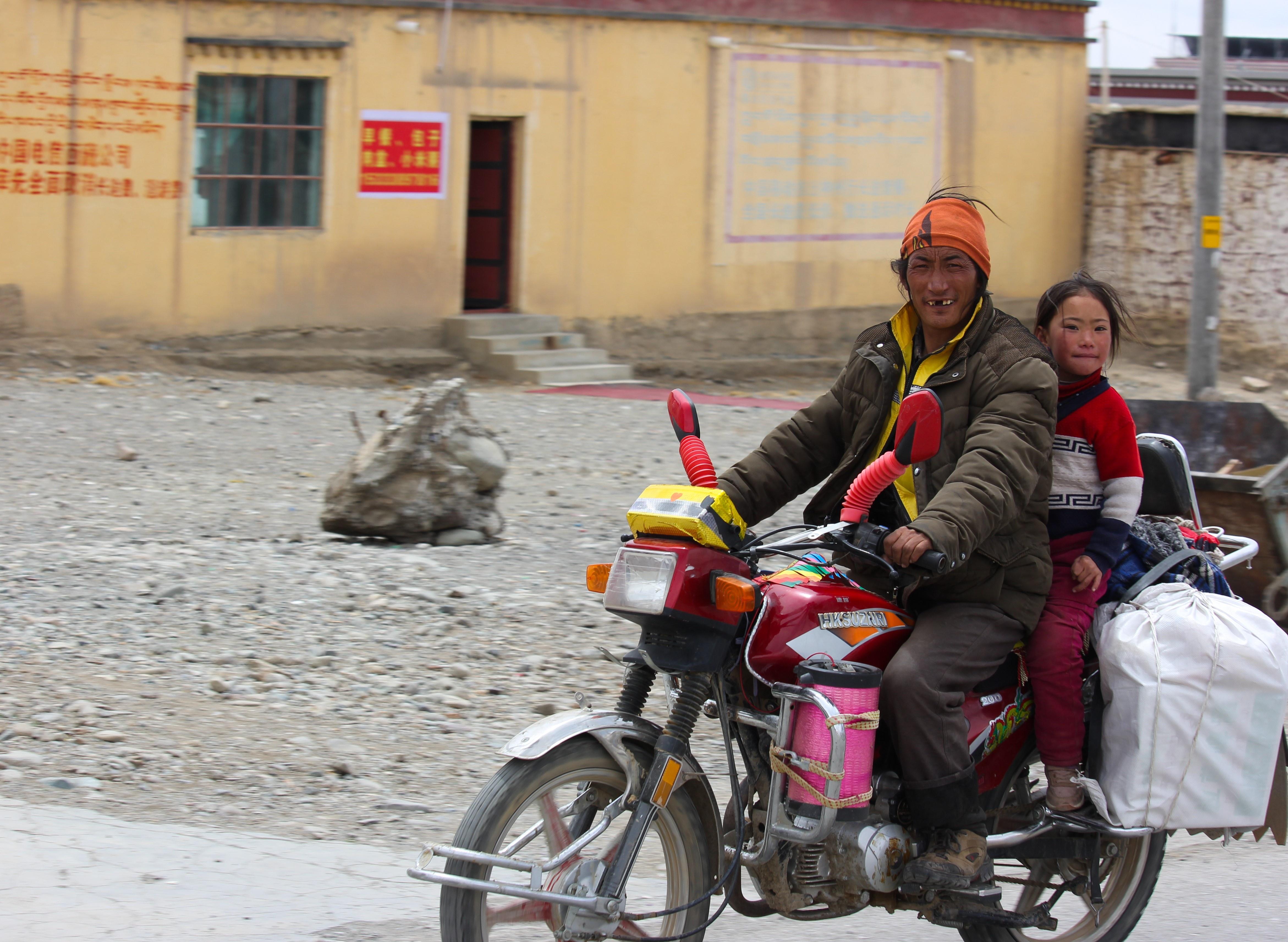 Hon 2.000 km va 14 ngay bang qua thao nguyen Tay Tang hinh anh 90
