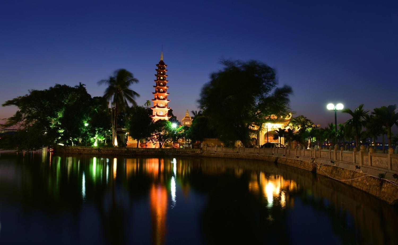 Ho Tay tho mong trong long Ha Noi hinh anh 9