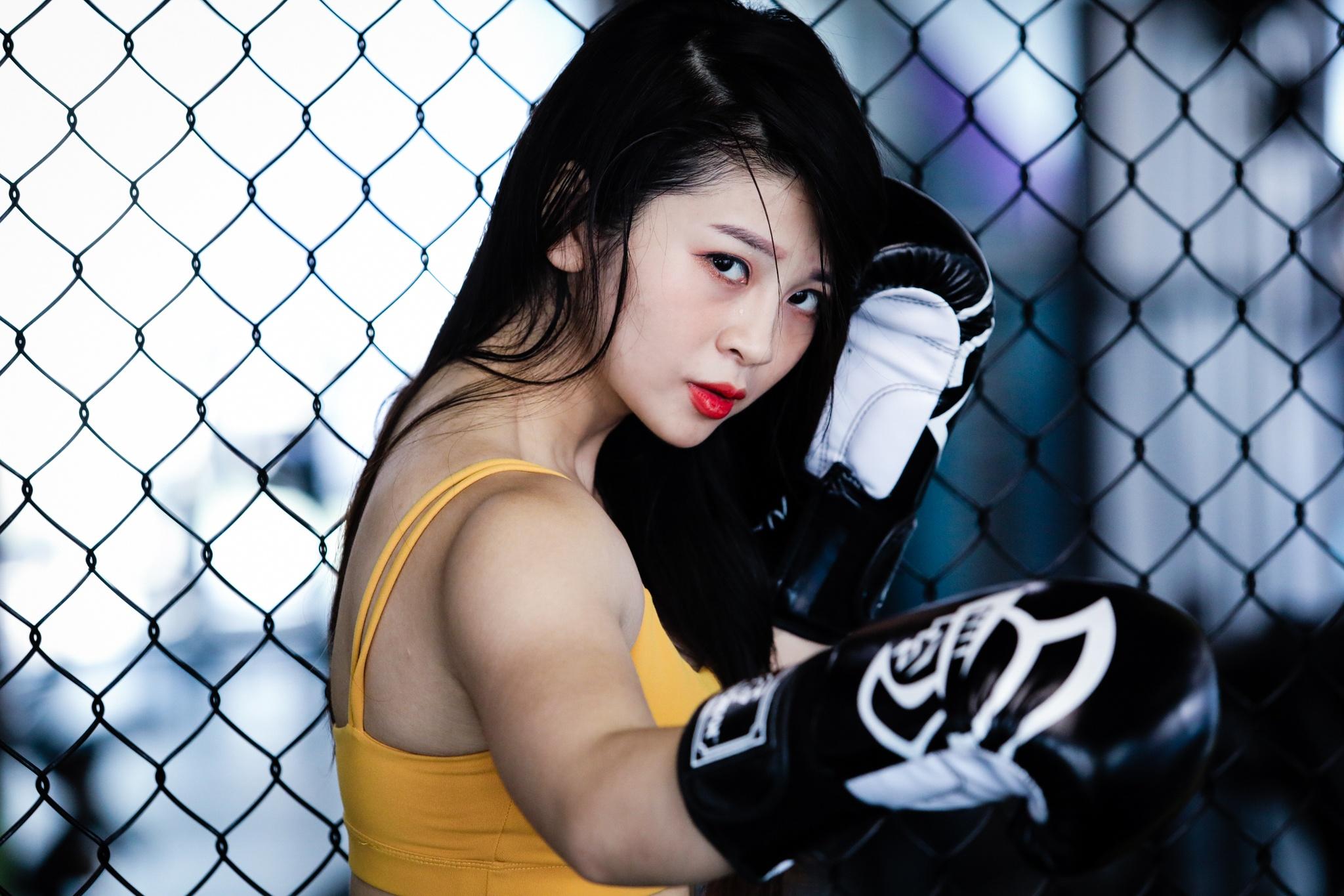 Hot girl mua con so khong ai yeu vi qua manh me hinh anh 8 1_cover_hot_girl_mua_con_zing2_1.jpg