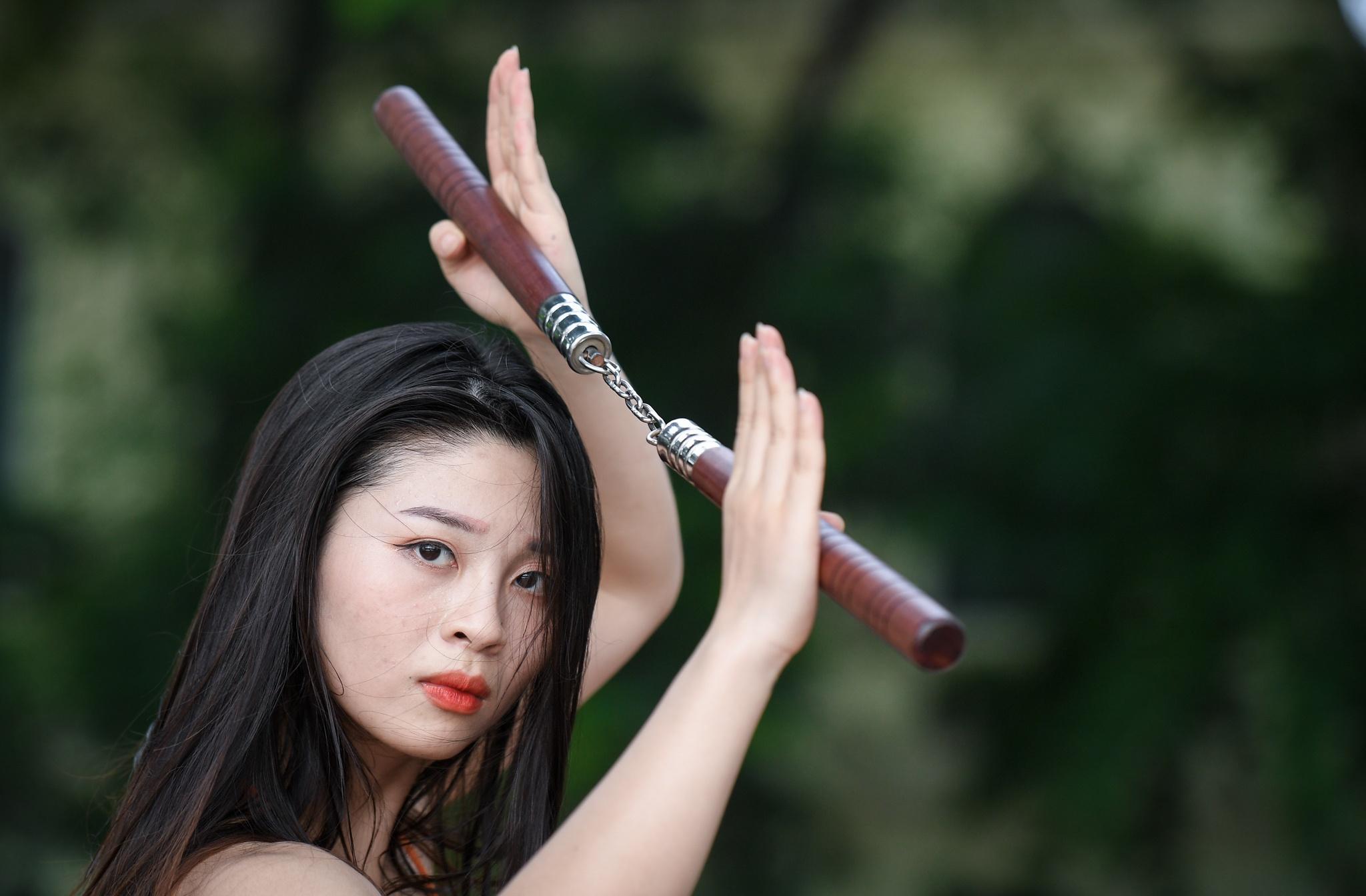 Hot girl mua con so khong ai yeu vi qua manh me hinh anh 2 3_hot_girl_mua_con_zing24.jpg