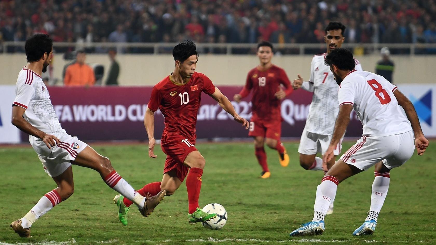 truc tiep Viet Nam vs UAE anh 33