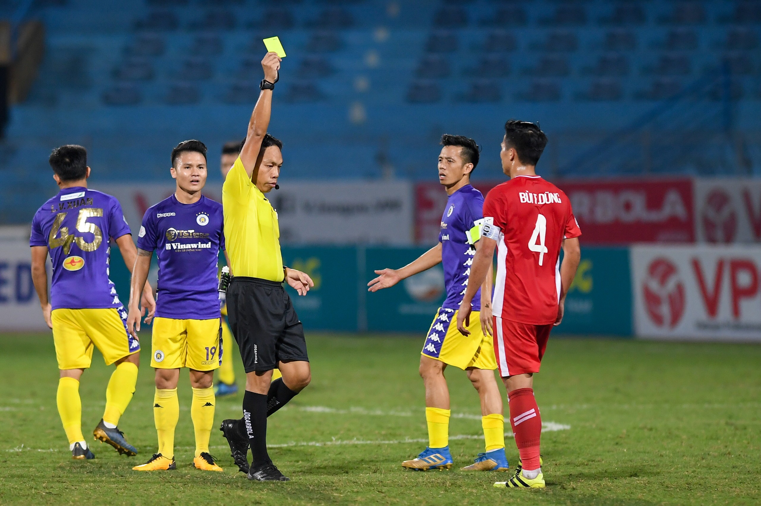 CLB Ha Noi vs Viettel anh 15
