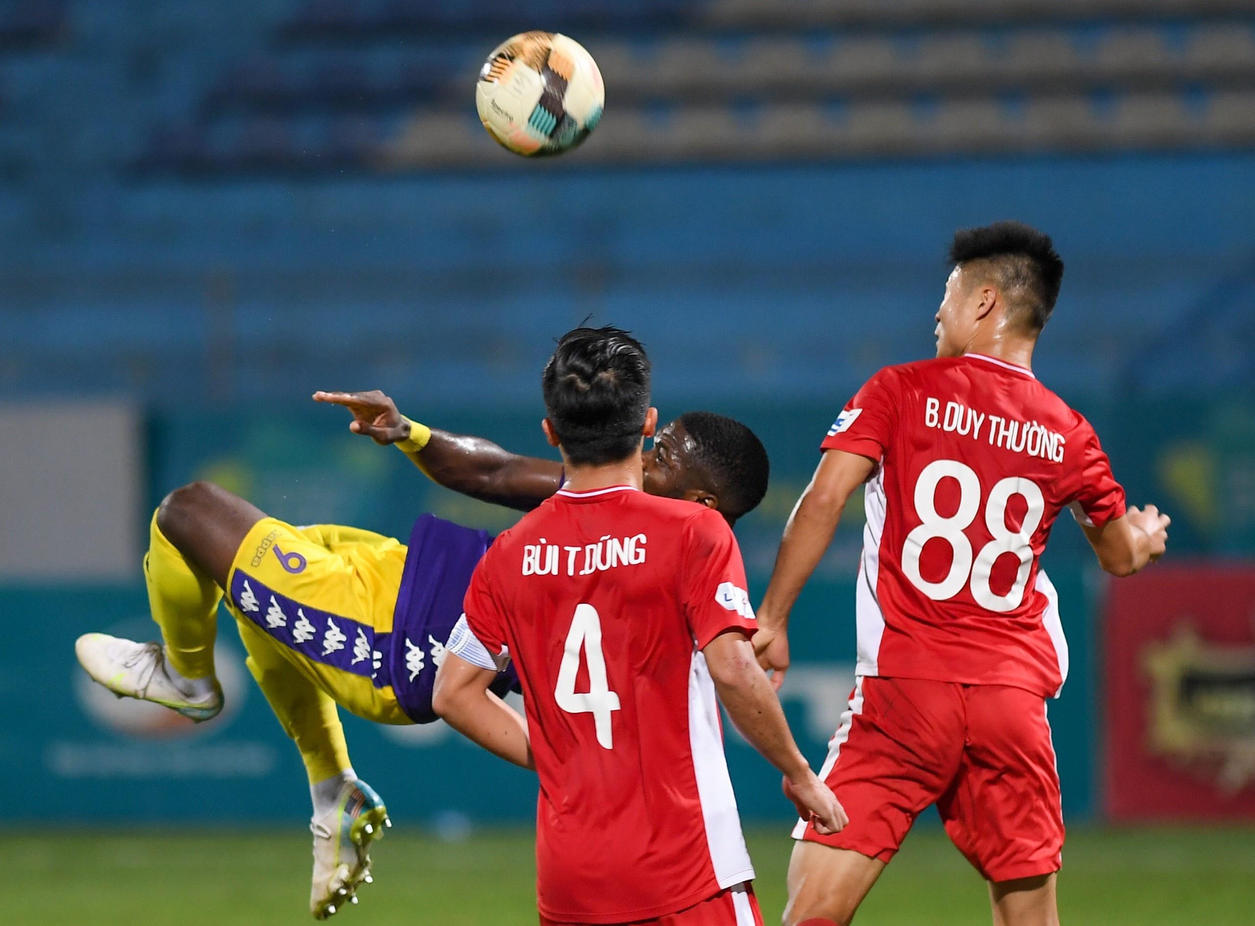 CLB Ha Noi vs Viettel anh 13