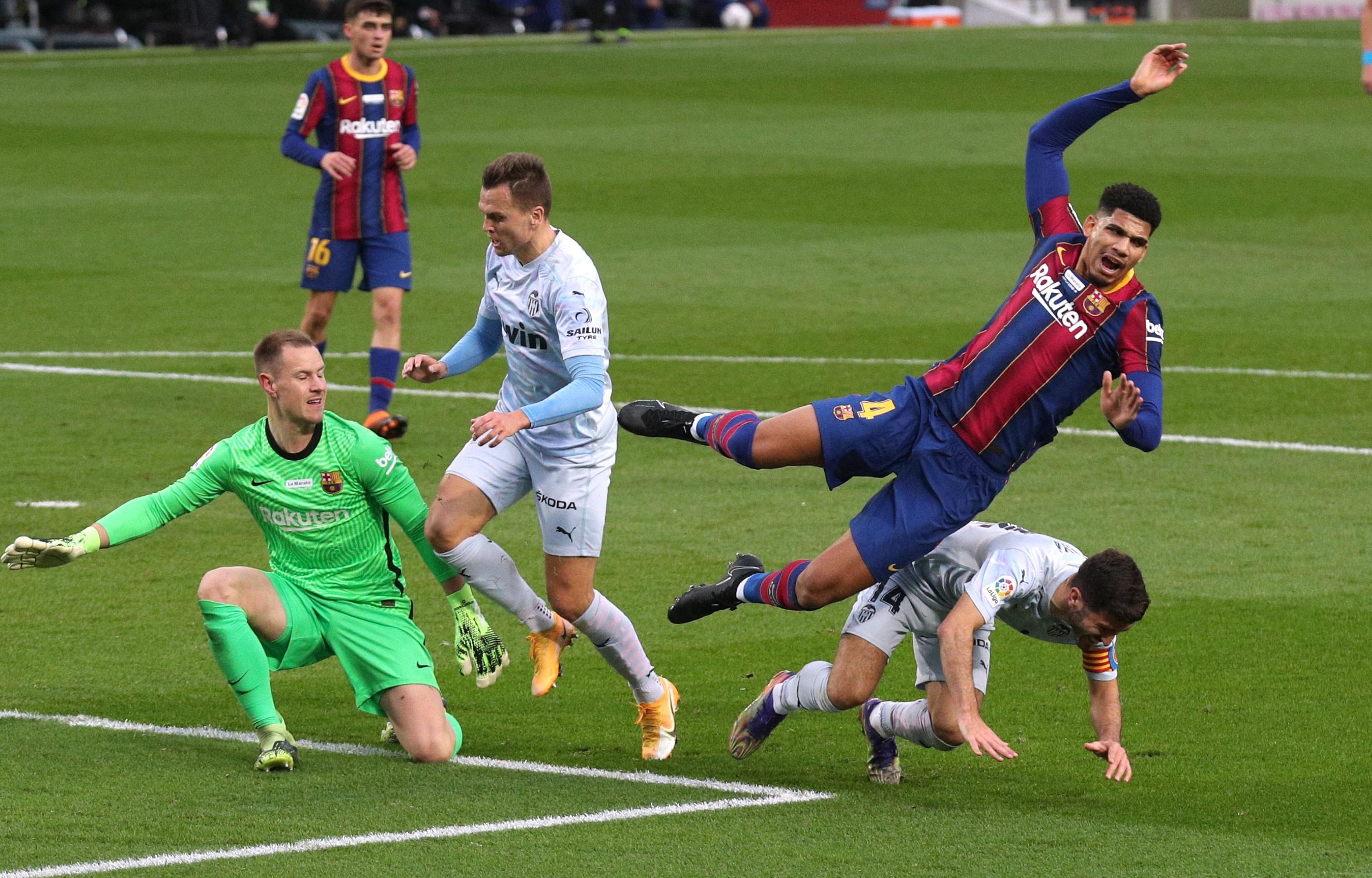 Barca vs Valencia anh 9