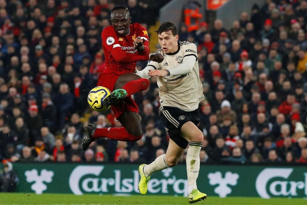 Liverpool dau Man Utd anh 11