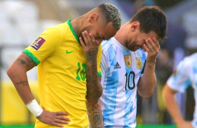 Messi noi ve tran Brazil gap Argentina anh 1