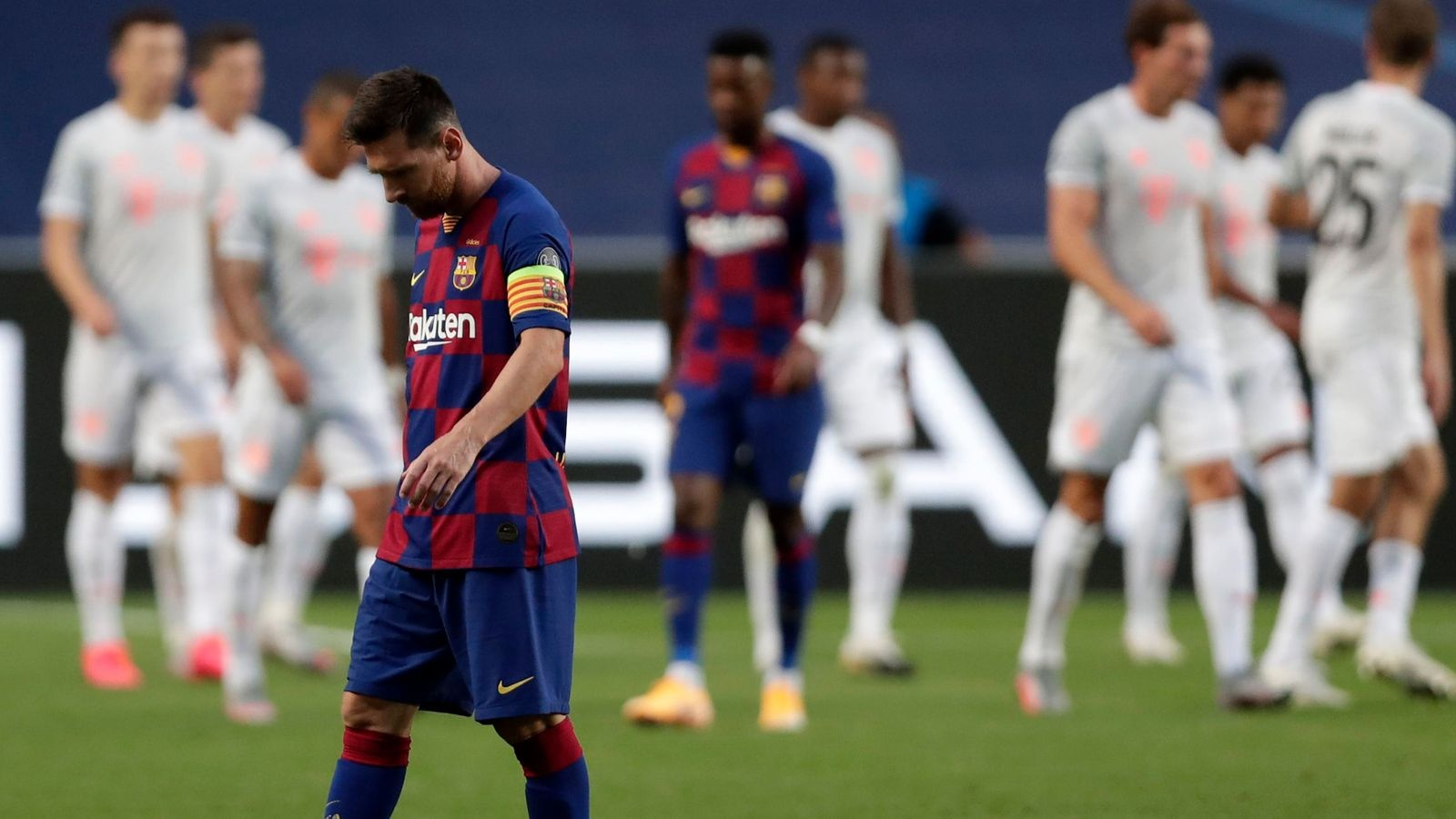 Barcelona co the mat Messi anh 1